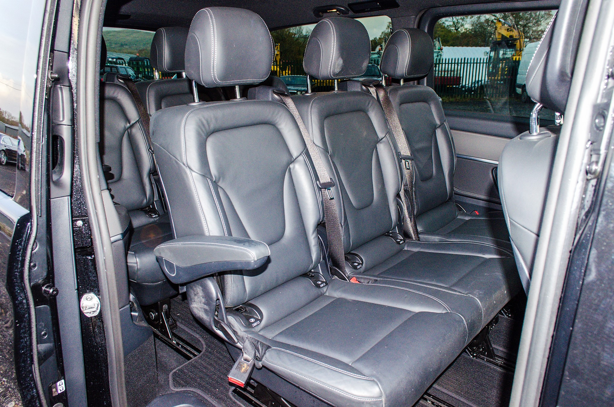 Mercedes Benz V250 Sport Bluetec XLWB auto diesel 8 seat MPV Reg No: FY68 JTO Date of First - Image 19 of 27