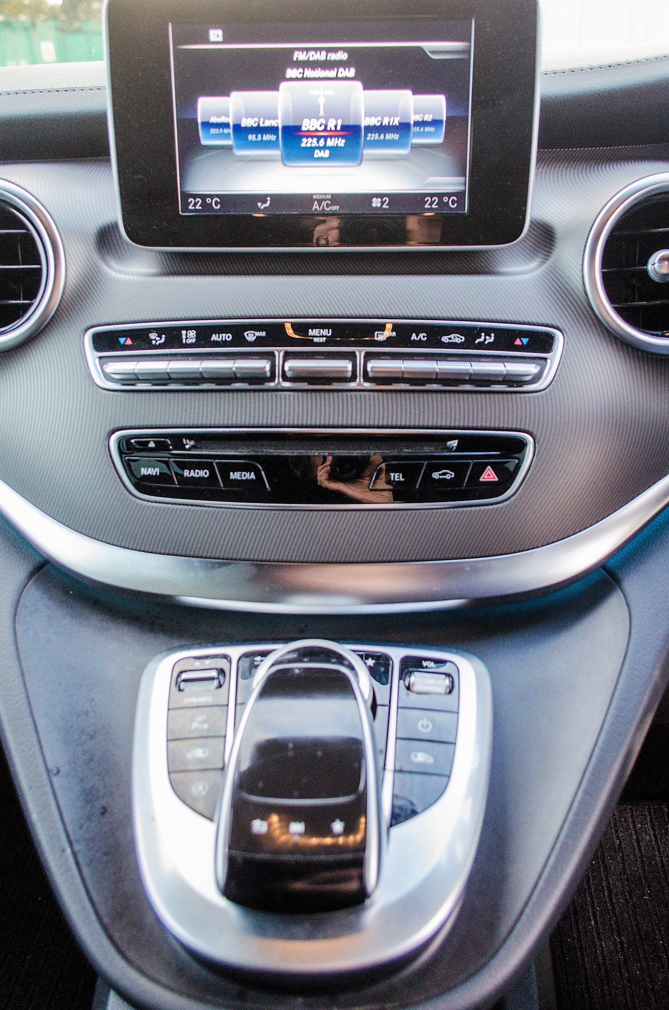 Mercedes Benz V250 Sport Bluetec XLWB auto diesel 8 seat MPV Reg No: FY68 JTO Date of First - Image 25 of 27