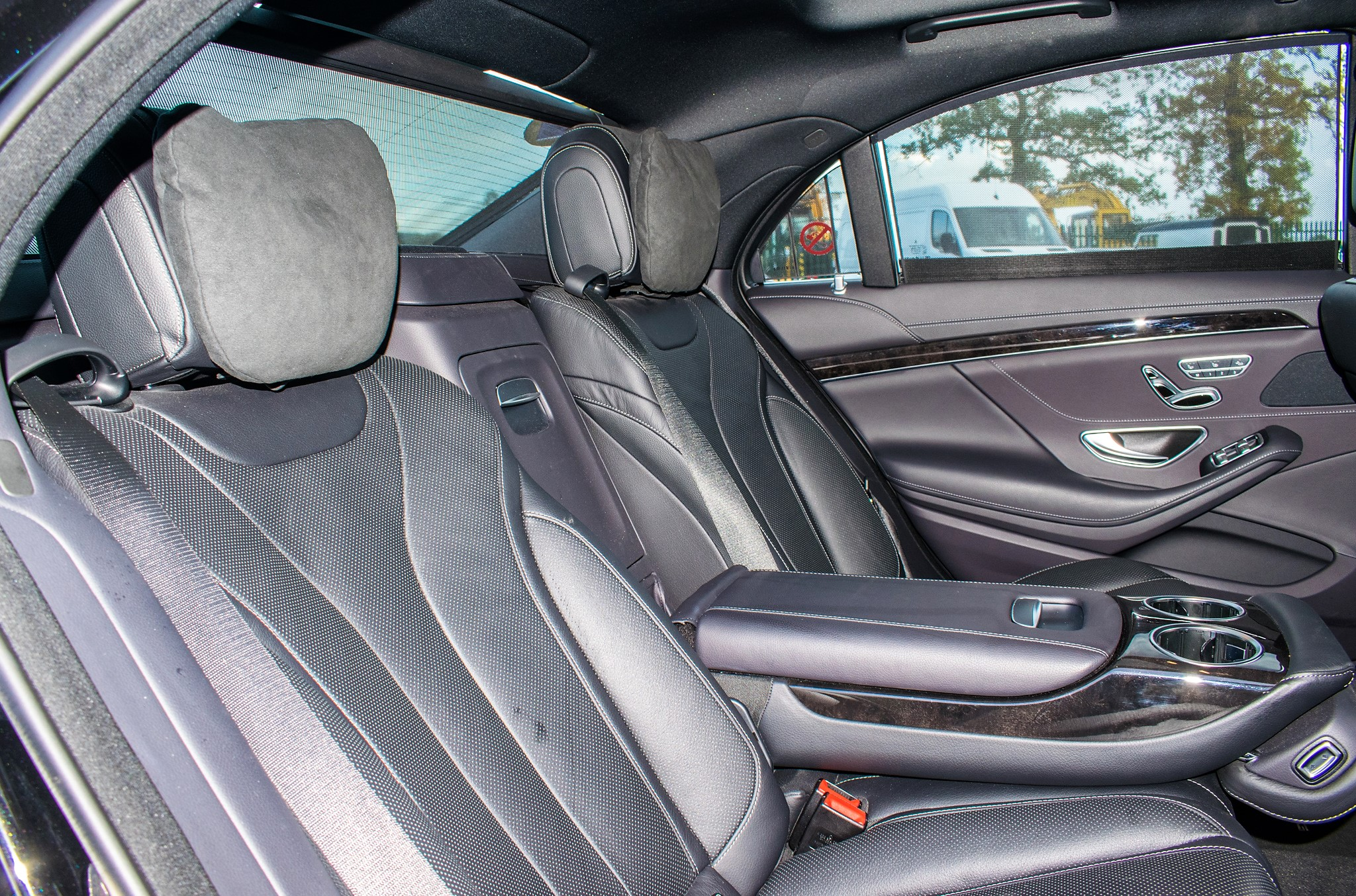 Mercedes Benz S450 L AMG Line Executive auto petrol 4 door saloon car Registration Number: FX68 - Image 22 of 33
