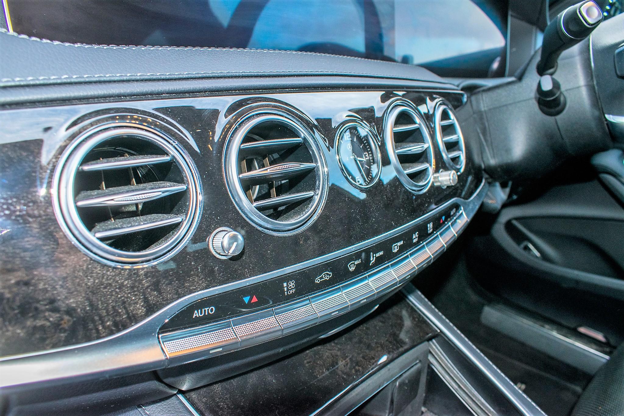 Mercedes Benz S450 L AMG Line Executive auto petrol 4 door saloon car Registration Number: FX68 - Image 30 of 33