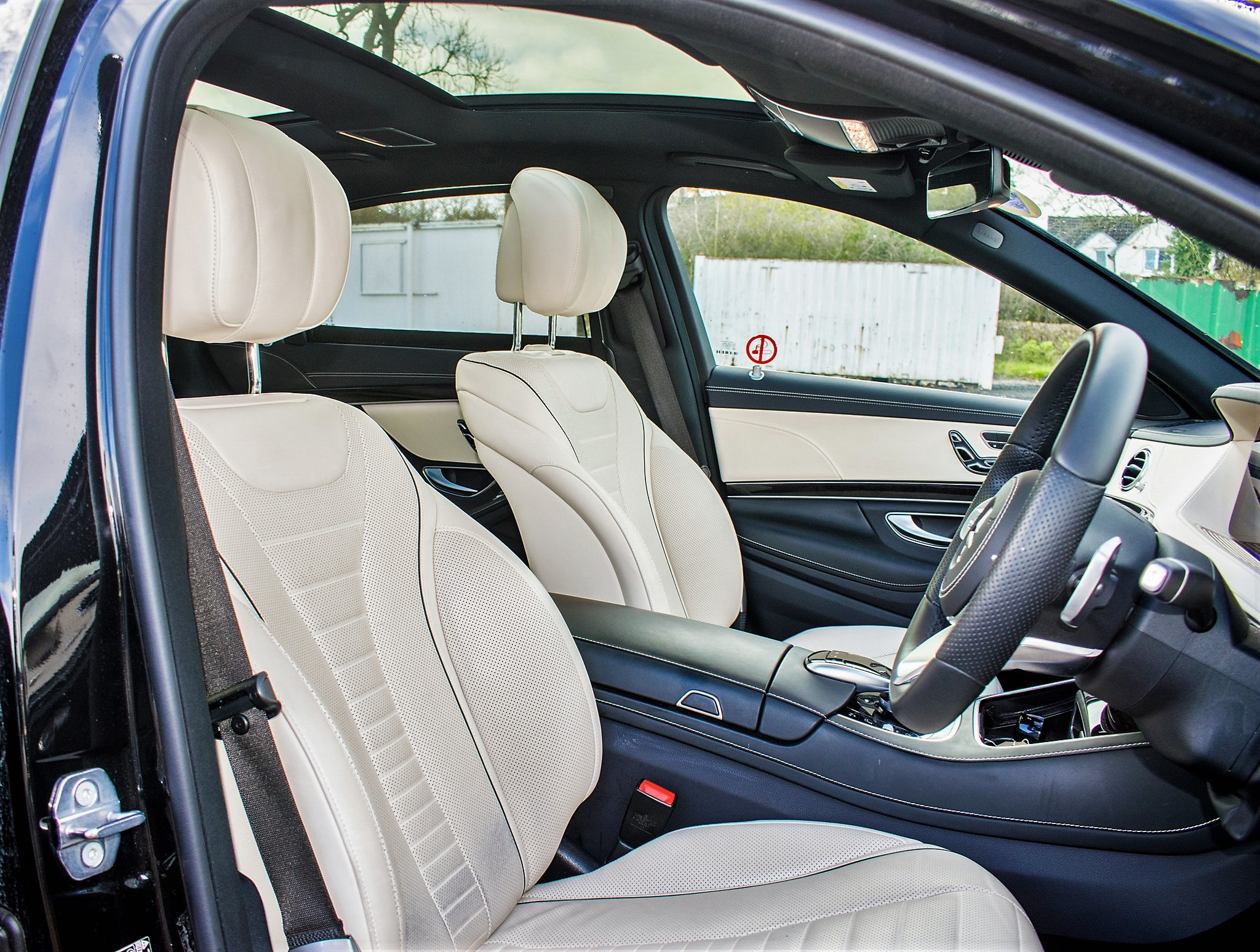 Mercedes Benz S450 L AMG Line Executive auto petrol 4 door saloon car Registration Number: FX68 - Image 21 of 30