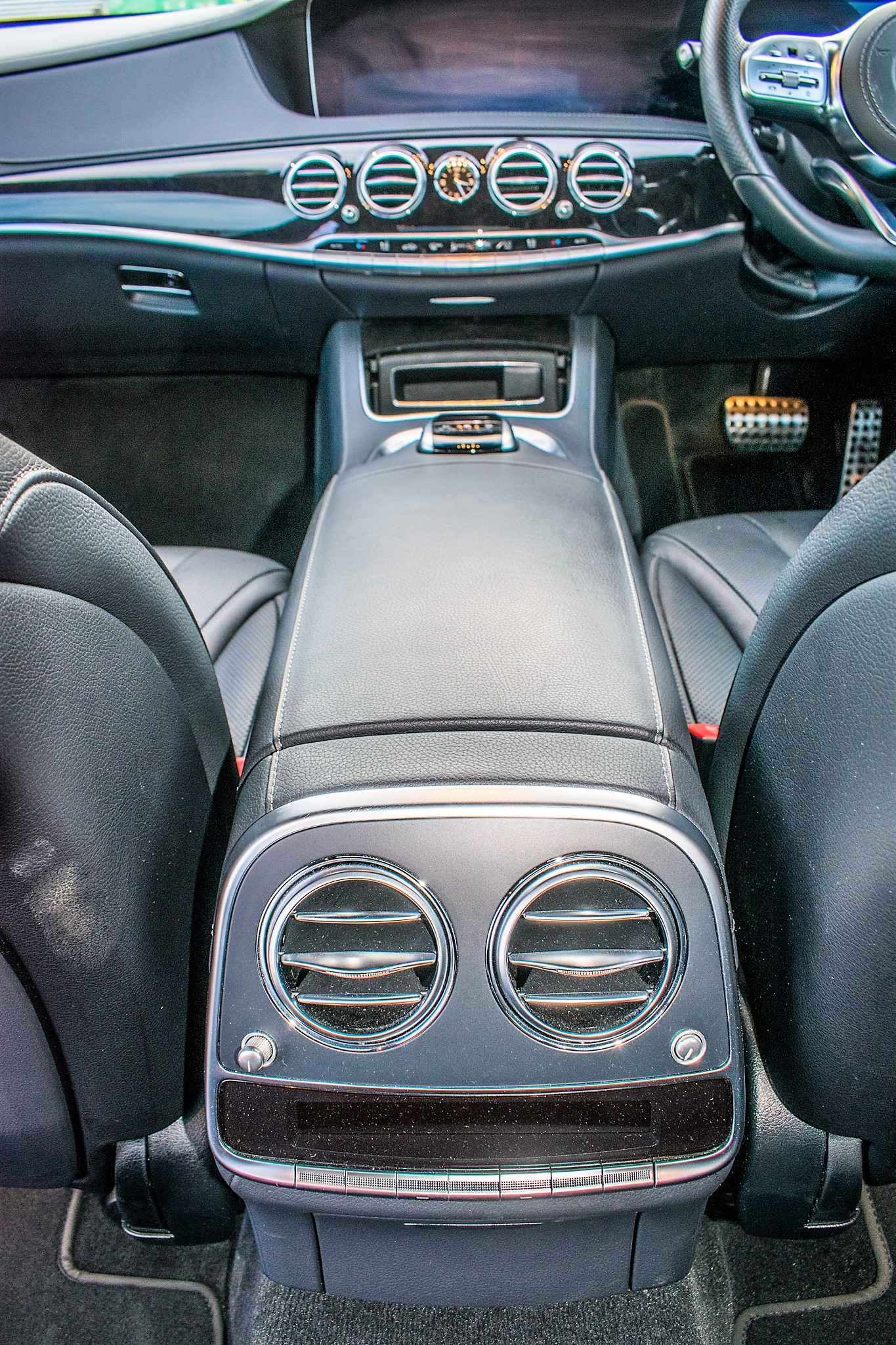Mercedes Benz S450 L AMG Line Executive auto petrol 4 door saloon car Registration Number: FX68 - Image 26 of 33