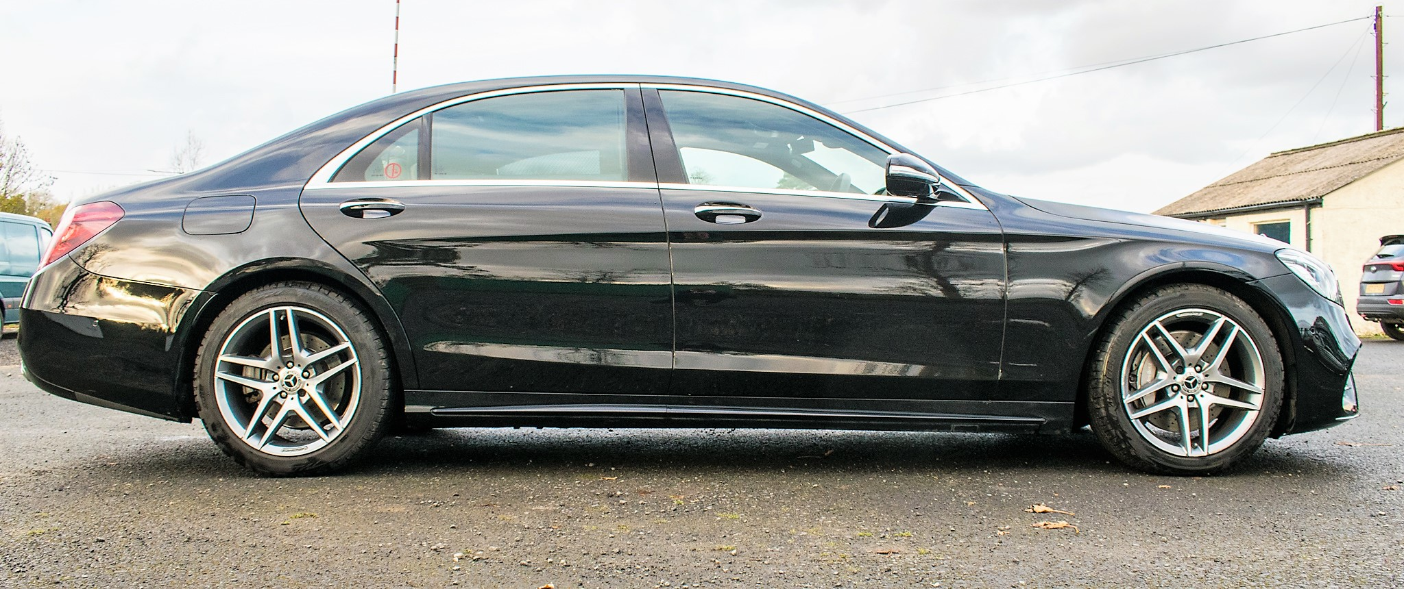 Mercedes Benz S450 L AMG Line Executive auto petrol 4 door saloon car Registration Number: FX68 - Image 7 of 33