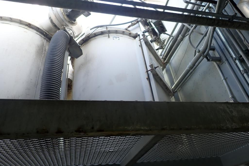 HIS mild steel dust collector, Model 4 in. SCH 10 x 46 15/16, SN C99F024-4, 11 ft. tall x 42 in. dia - Image 2 of 6