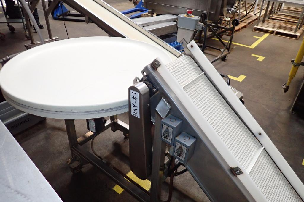 SS incline white cleated Interlock belt conveyor, 8 ft. long x 12 in. wide 10 in. infeed x 42 in. di - Image 5 of 8