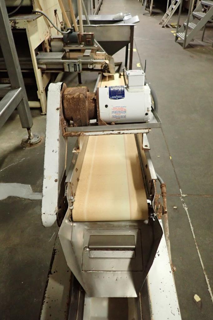 Incline belt conveyor, 10 ft. long x 12 in. wide x 16 in. infeed x 32 in. discharge, mild steel fram - Image 2 of 6