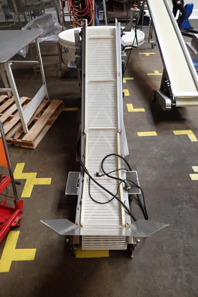 SS incline white cleated Interlock belt conveyor, 8 ft. long x 12 in. wide 10 in. infeed x 42 in. di - Image 3 of 8