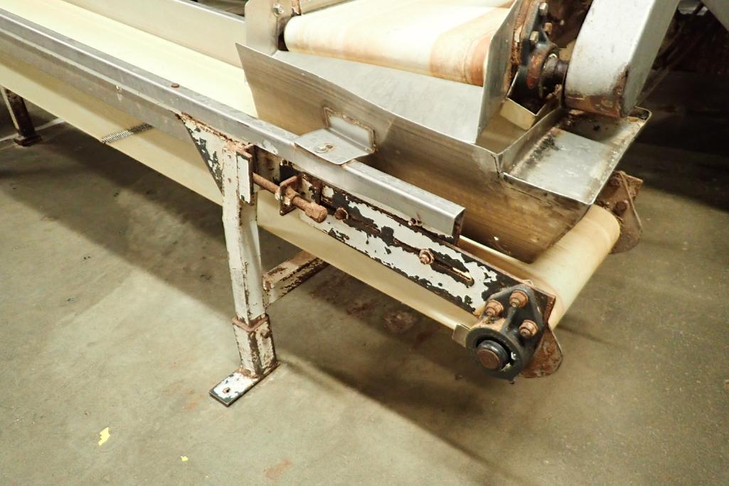Incline belt conveyor, 10 ft. long x 12 in. wide x 16 in. infeed x 32 in. discharge, mild steel fram - Image 4 of 6