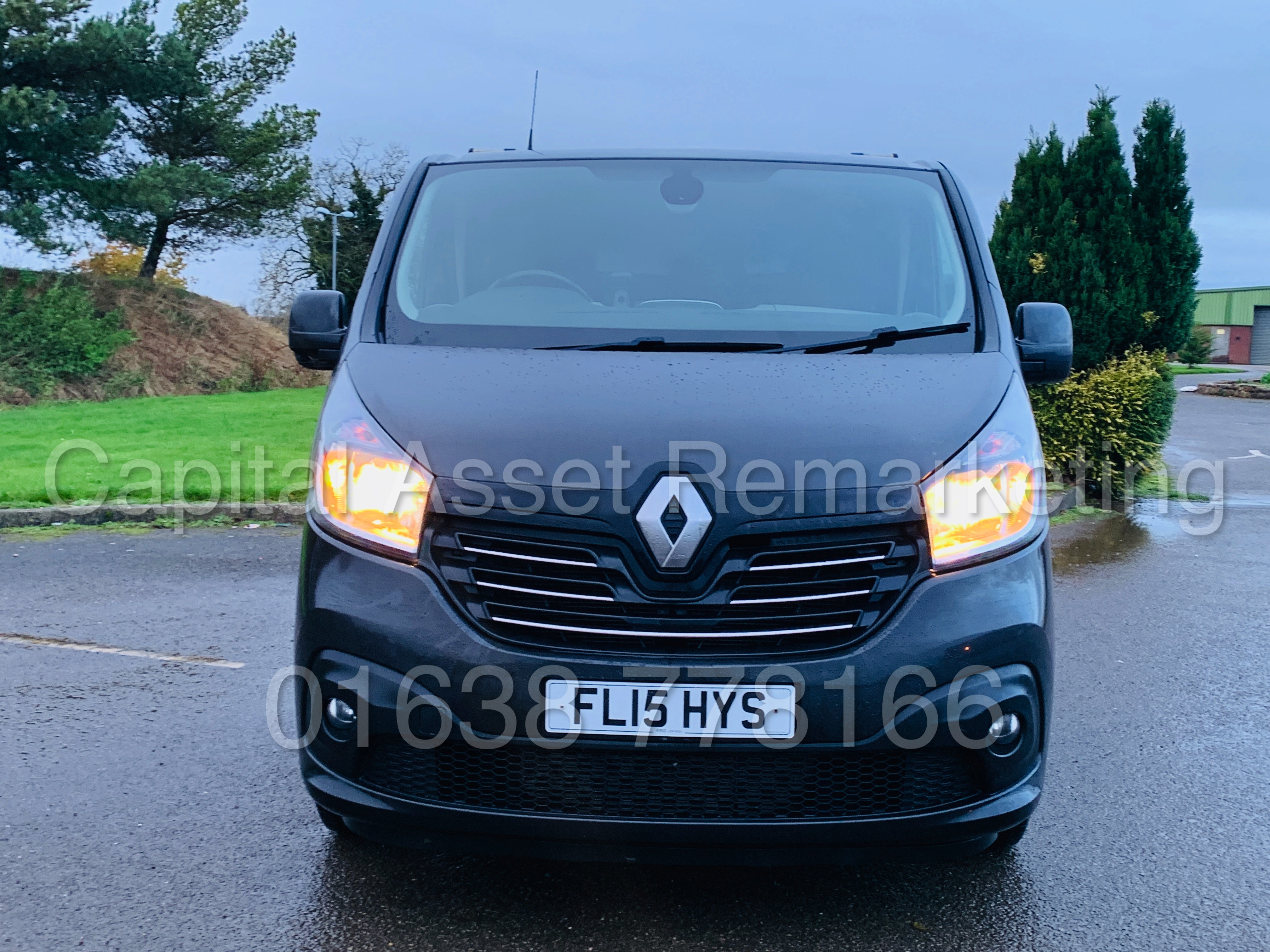 Lot 19 - RENAULT TRAFIC *SPORT ENERGY* SWB (2015 - NEW MODEL) '1.6 DCI - 120 BHP - 6 SPEED' *SAT NAV - A/C*