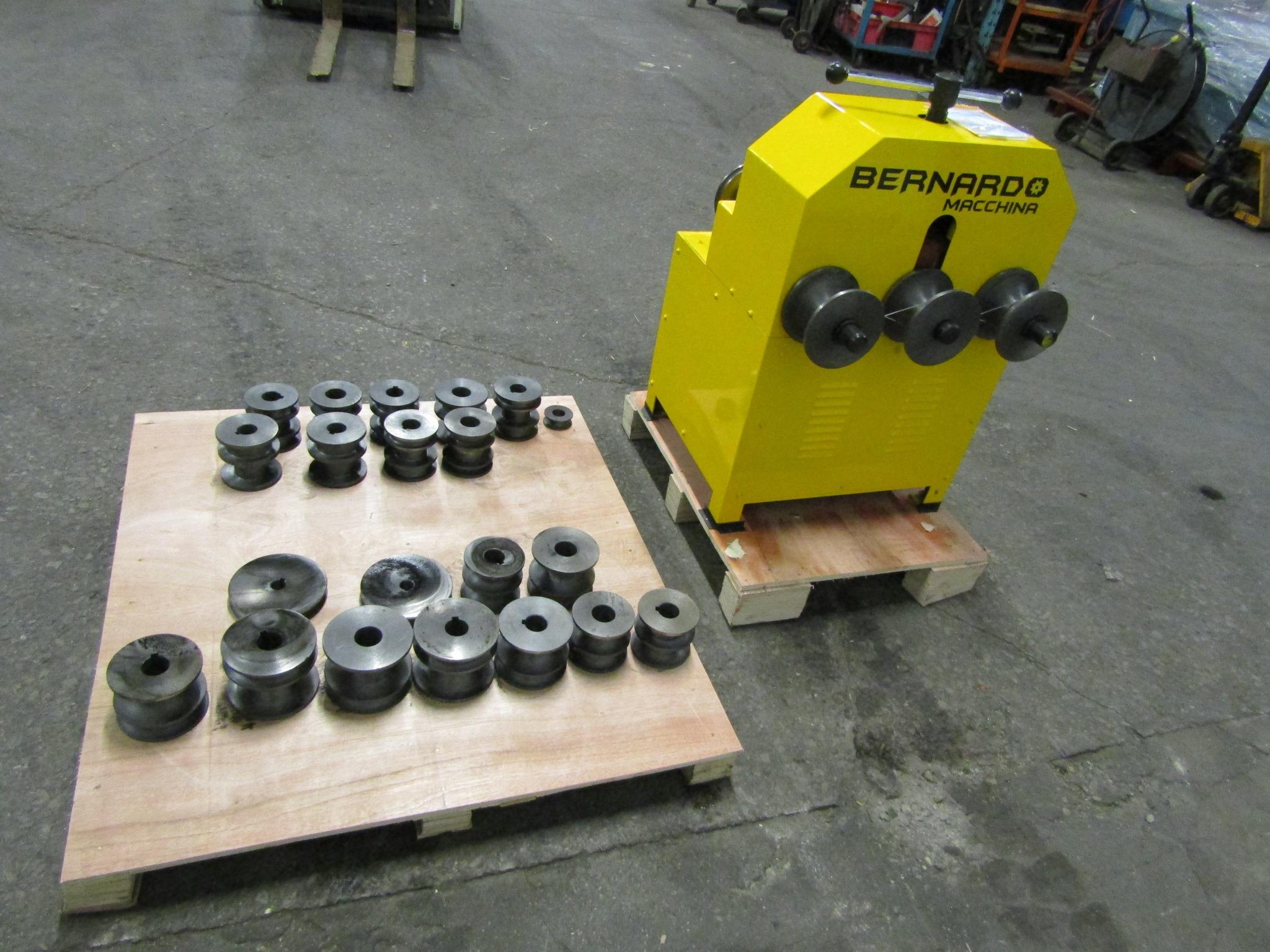"Bernardo Pyramid Angle Rolls Conduit Bender - Tube Bender with 22 dies 0.5-3"" capacity MINT / UNUSED - Image 2 of 3"