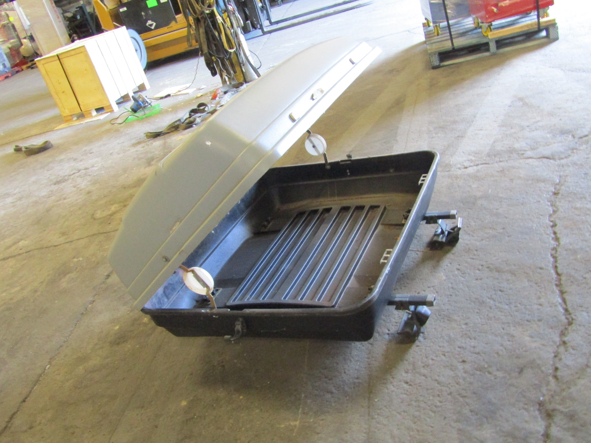 Lot 292 - Roof Rack Car Carrier - extra luggage space on roof in enclosed case