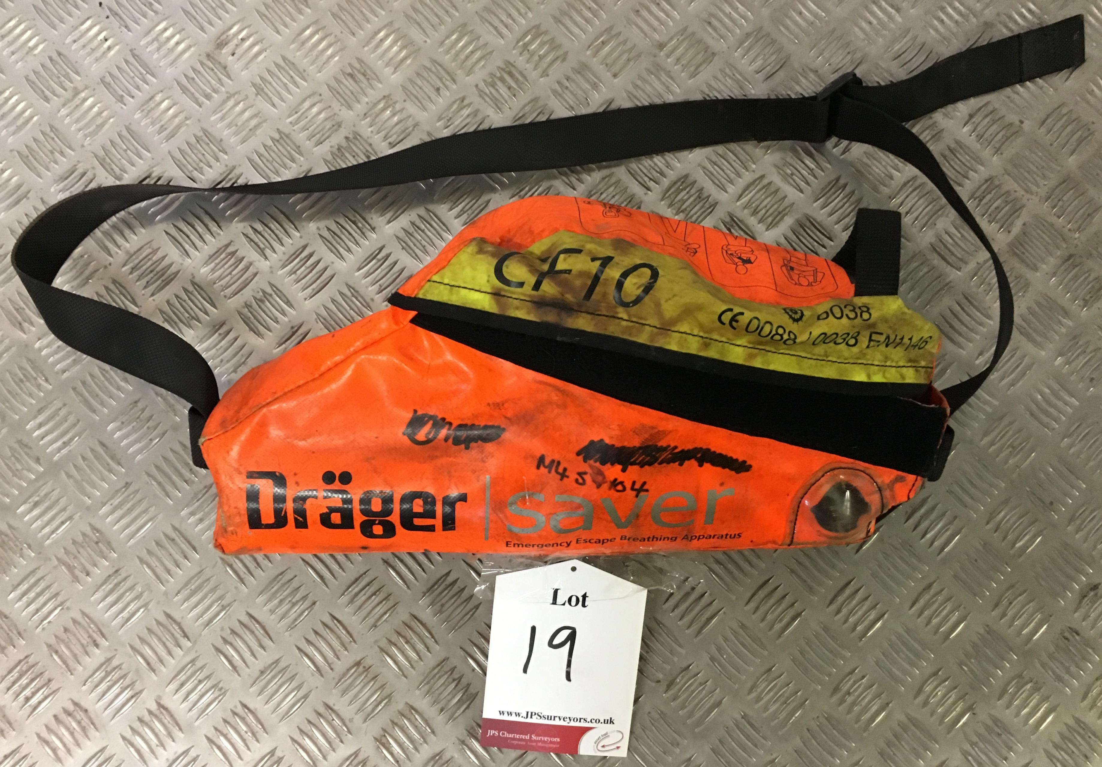 Lot 19 - Drager CF10 Escape Set