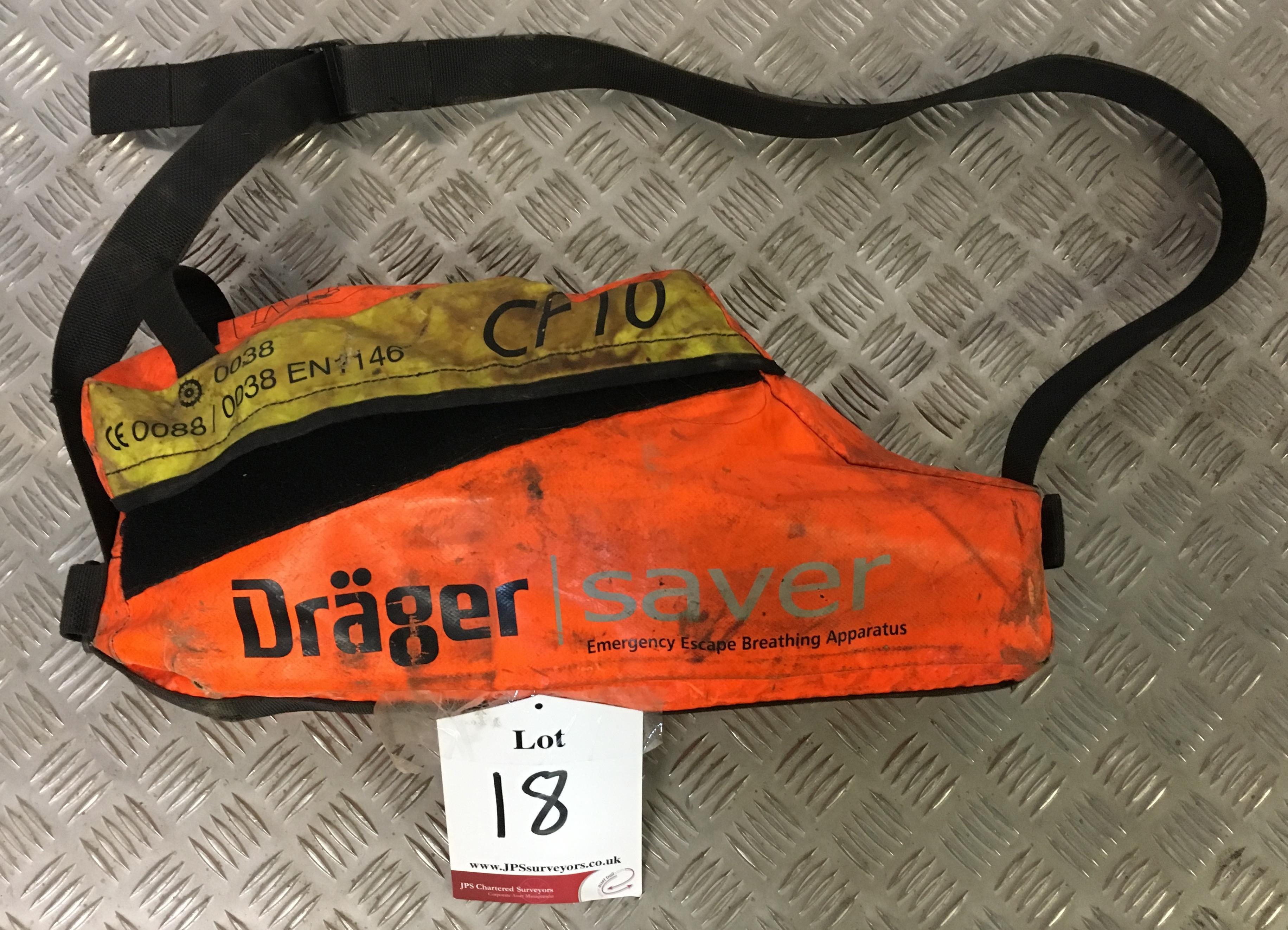 Lot 18 - Drager CF10 Escape Set
