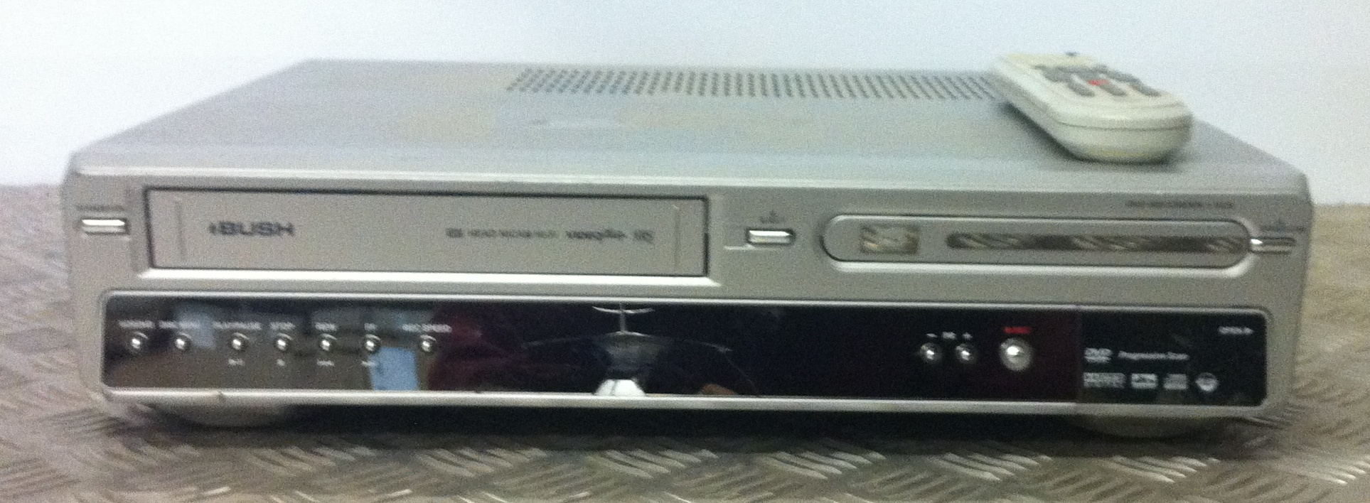 Lot 30 - Bush Video/DVD Recorder