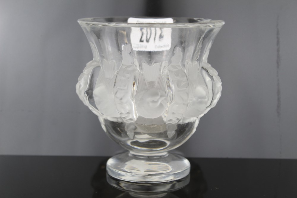 Lot 2012 - Lalique crystal Dampierre vase decorated with birds and vines, signed on base,