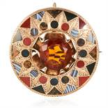 A CITRINE AND AGATE BROOCH / PENDANT, 19TH CENTURY in yellow gold, set with a central citrine and