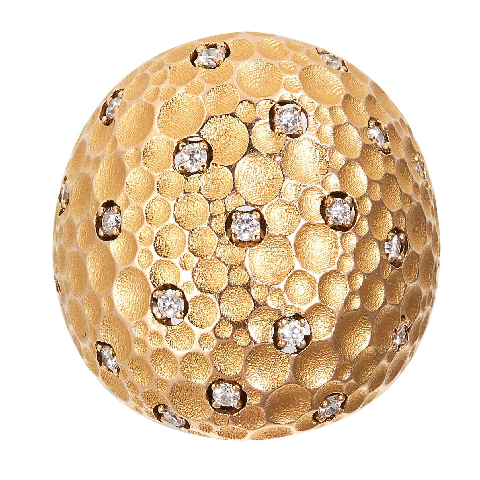 A DIAMOND BOMBE RING in 18ct yellow gold, comprising of a textured design jewelled with twenty one