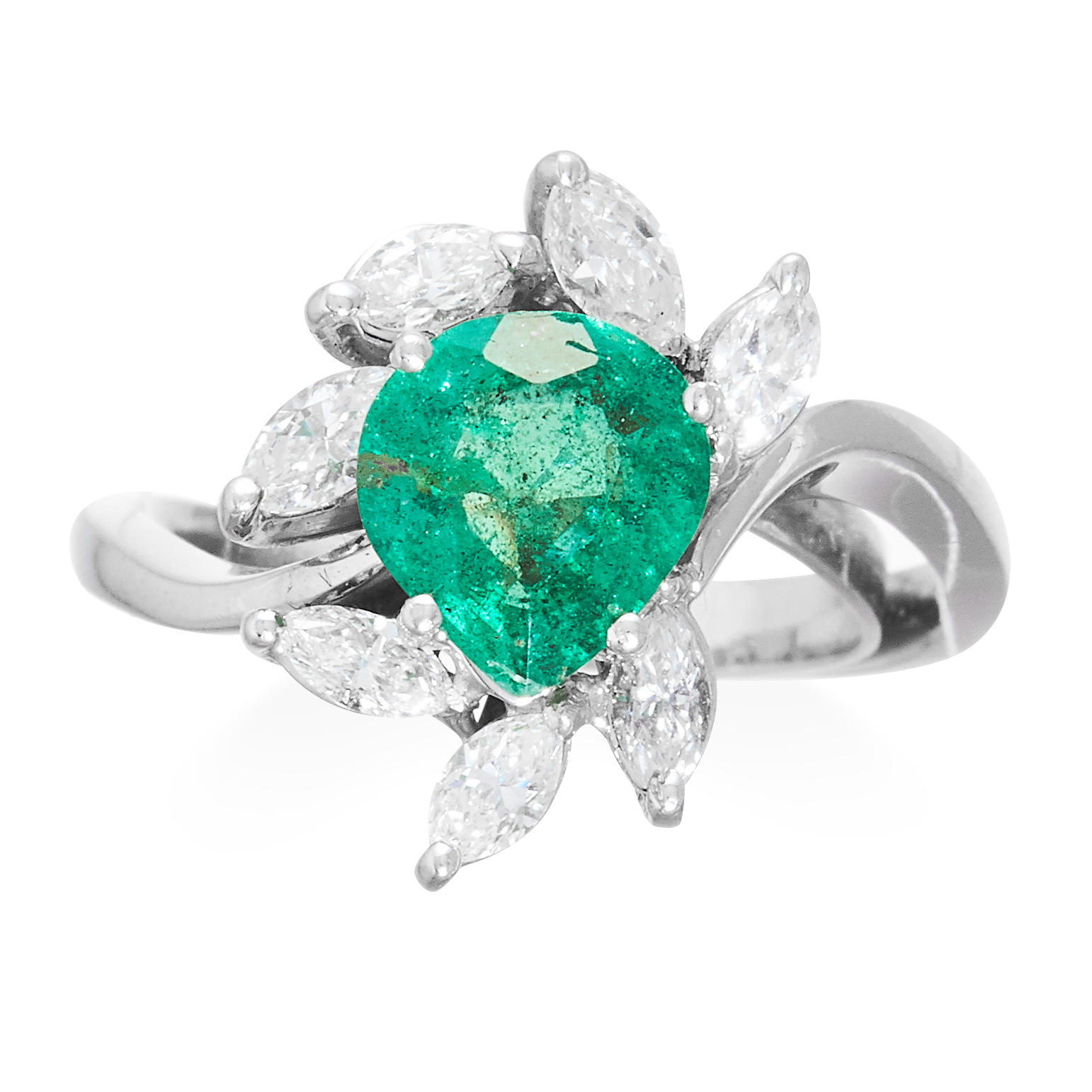 Los 27 - AN EMERALD AND DIAMOND RING in platinum or white gold set with a pear cut emerald of 1.35 carats