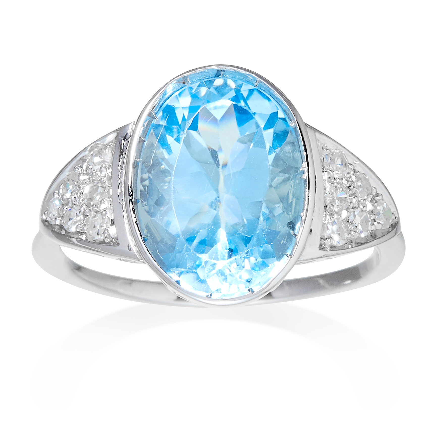 Los 23 - AN AQUAMARINE AND DIAMOND RING in platinum or white gold, the oval cut aquamarine of 6.09 carats