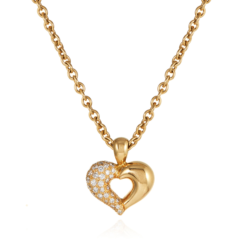 A DIAMOND HEART PENDANT, VAN CLEEF & ARPELS in 18ct yellow gold, designed as open heart pendant,