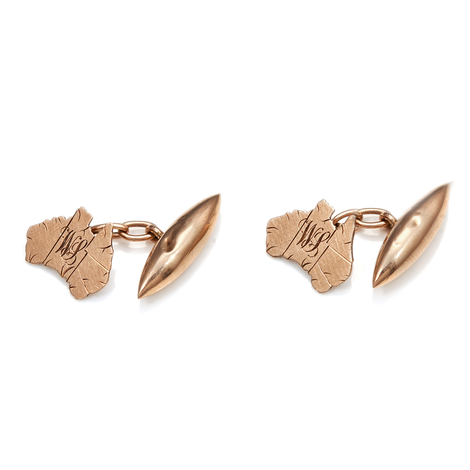 A PAIR OF MAP OF AUSTRALIA CUFFLINKS in 9ct yellow gold, in the shape of the map of Australia,