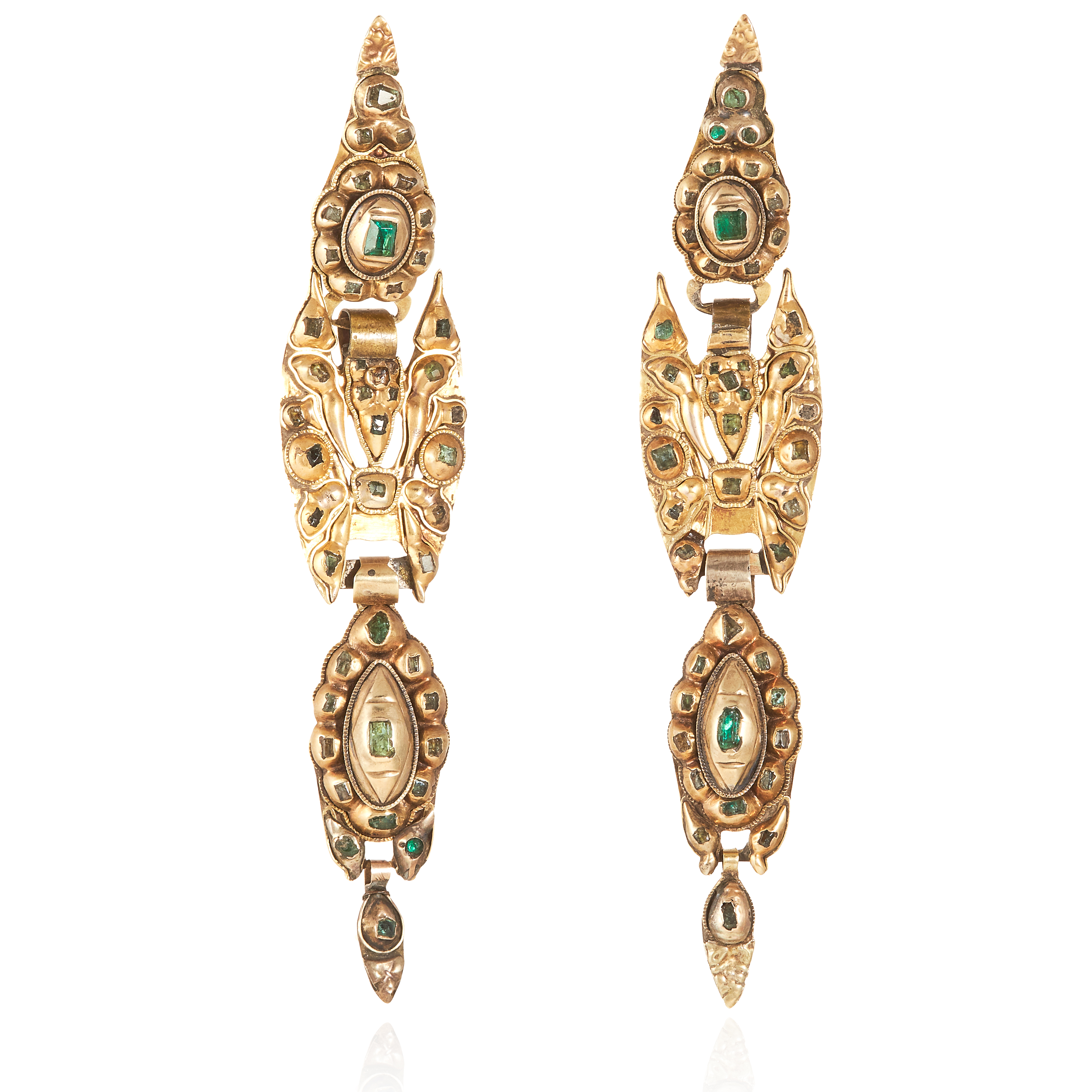 Los 13 - A PAIR OF ANTIQUE CATALAN EMERALD AND DIAMOND EARRINGS, SPANISH CIRCA 1800 in high carat yellow