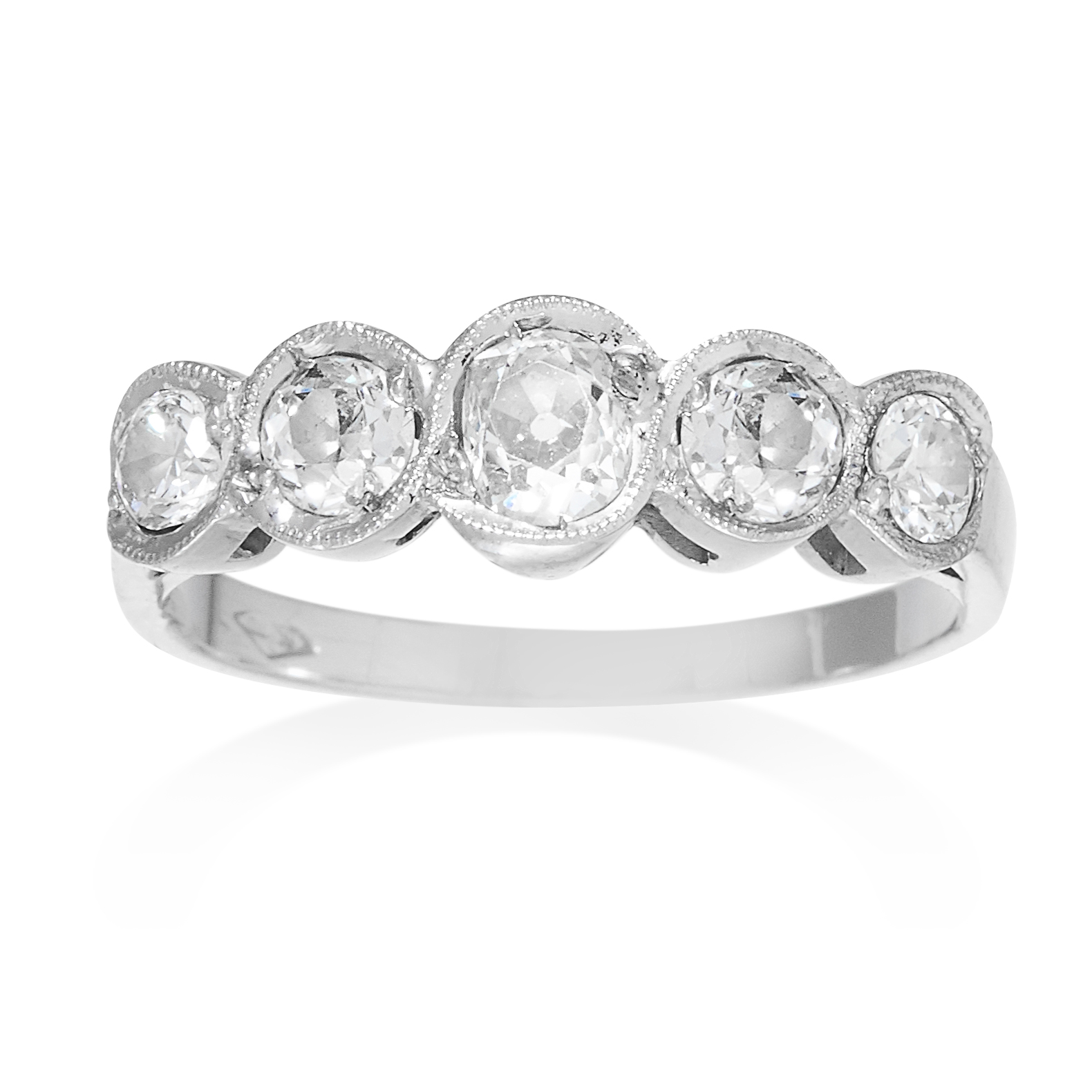 AN ANTIQUE DIAMOND FIVE STONE RING in platinum or white gold, set with a row of five graduated old