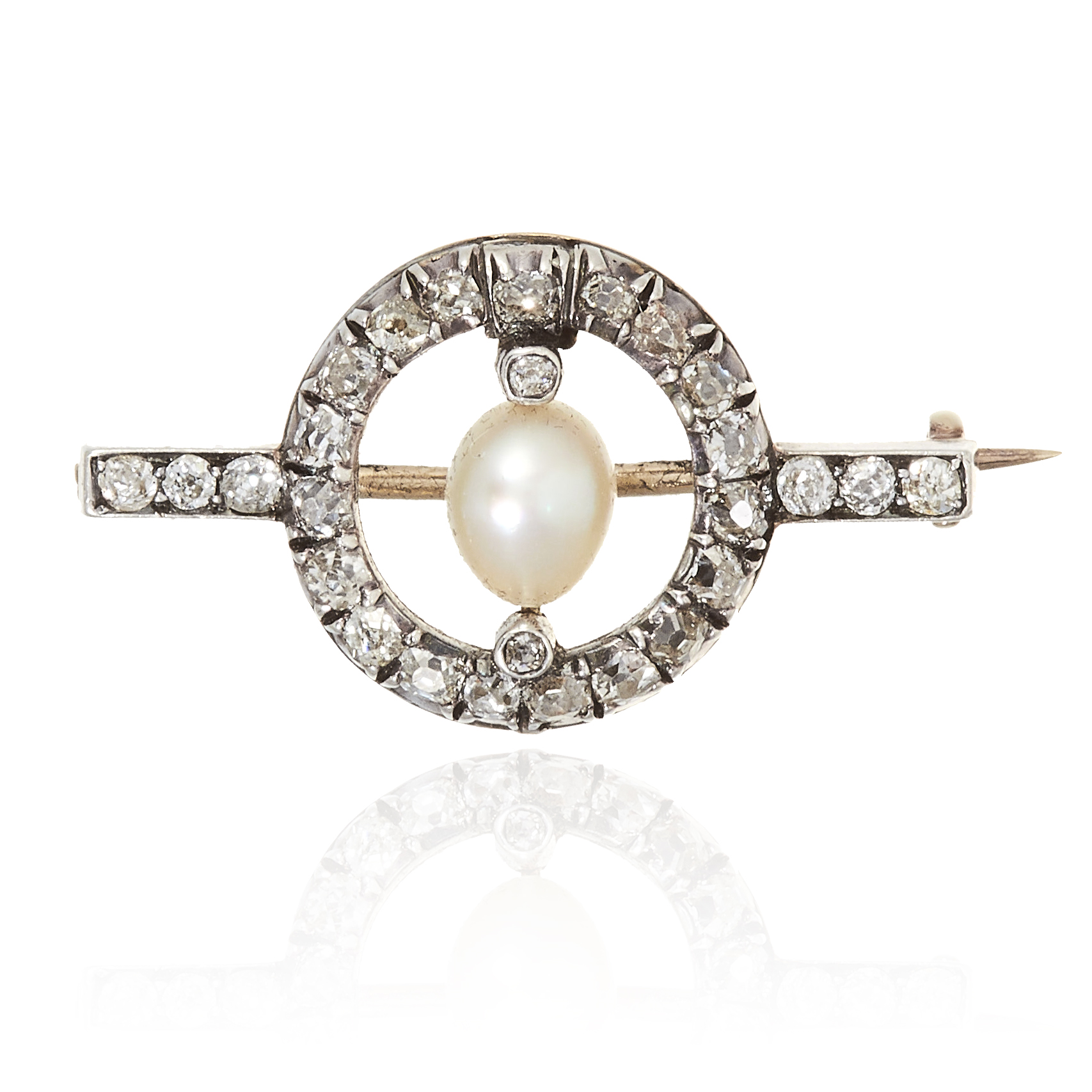 AN ANTIQUE NATURAL PEARL AND DIAMOND BROOCH in gold or platinum, comprising of central pearl