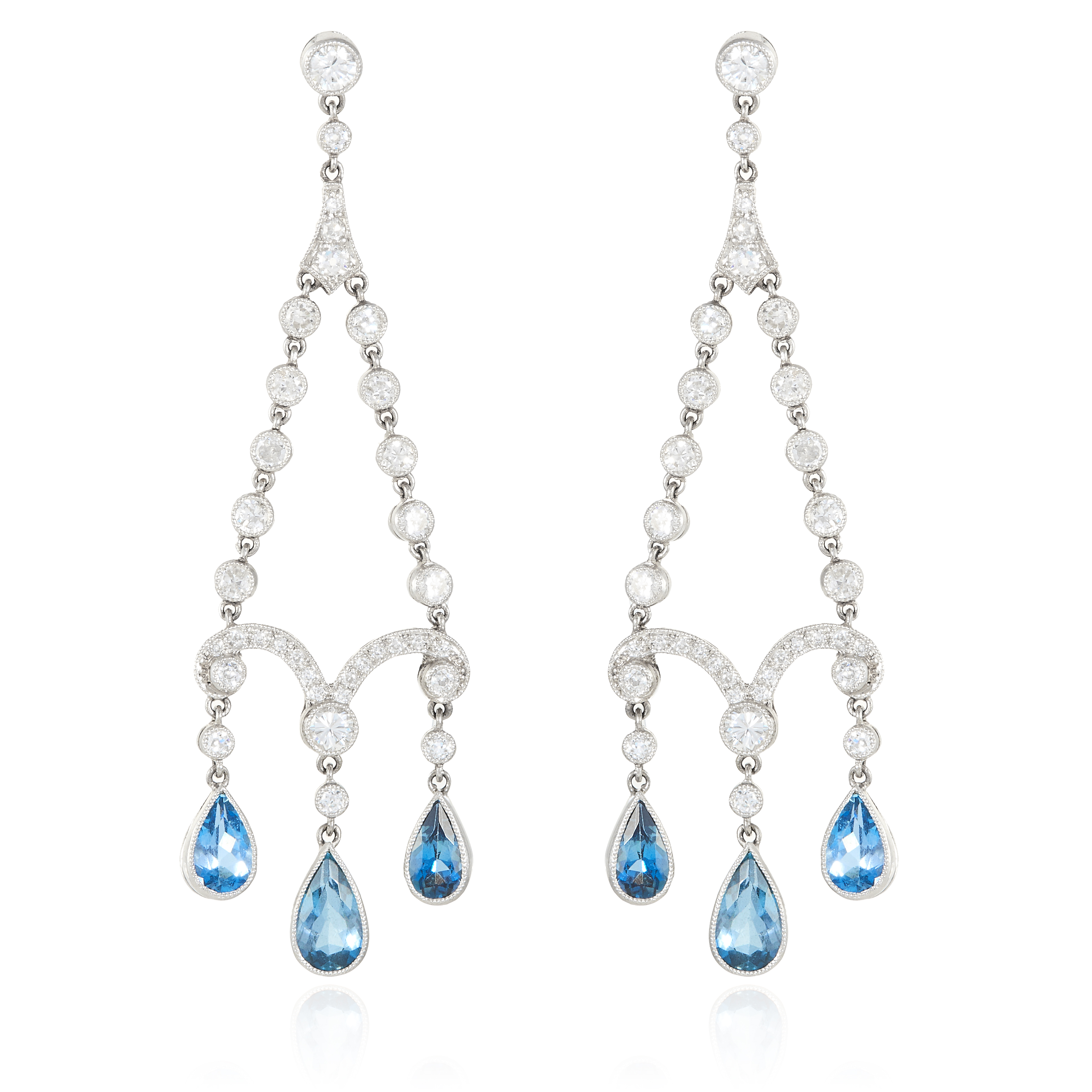 A PAIR OF DIAMOND AND AQUAMARINE CHANDELIER EARRINGS, CIRCA 1920s in white gold or platinum,