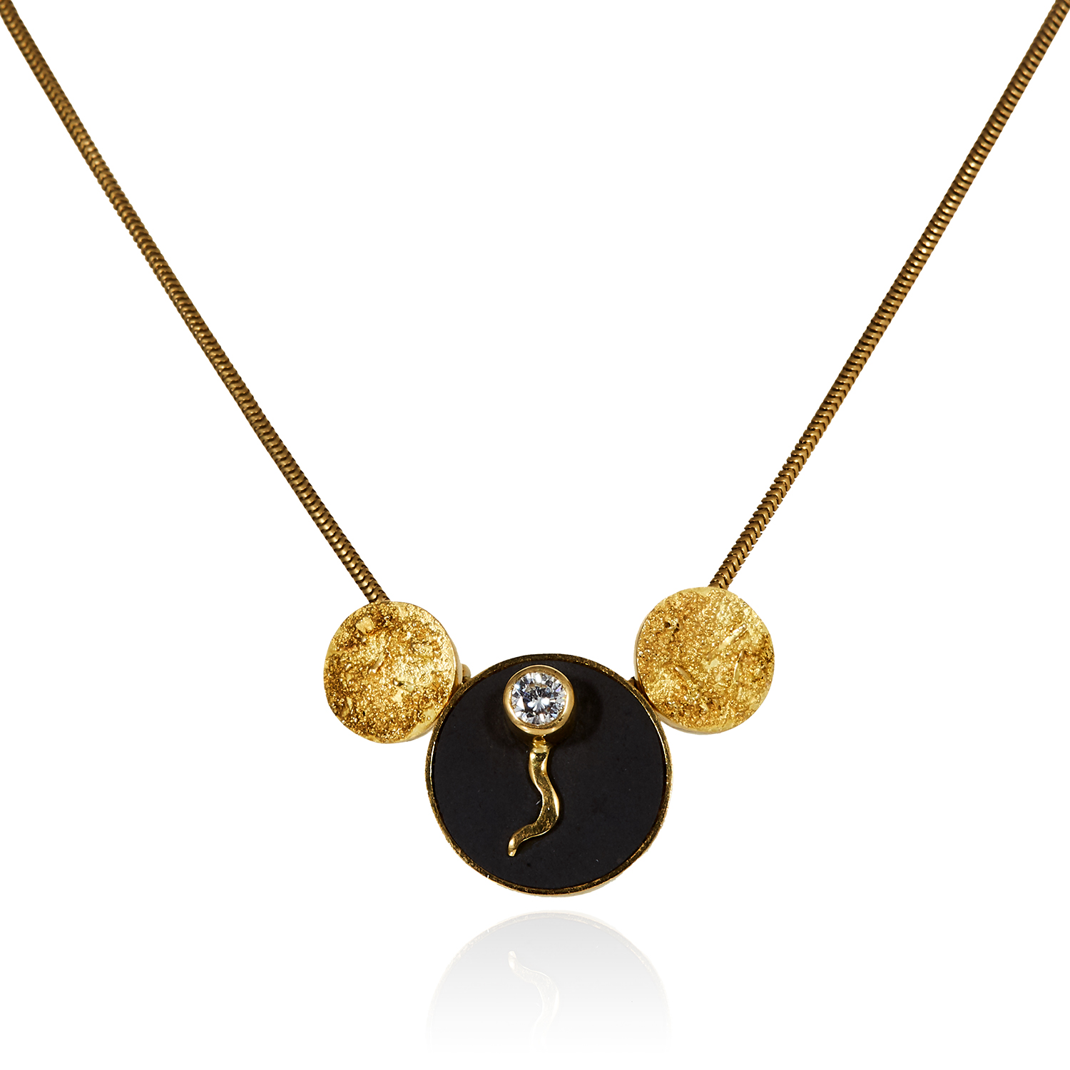 A DIAMOND AND ONYX PENDANT, NICOLA APPLEBY, CIRCA 1999 in 18ct yellow gold, comprising of a