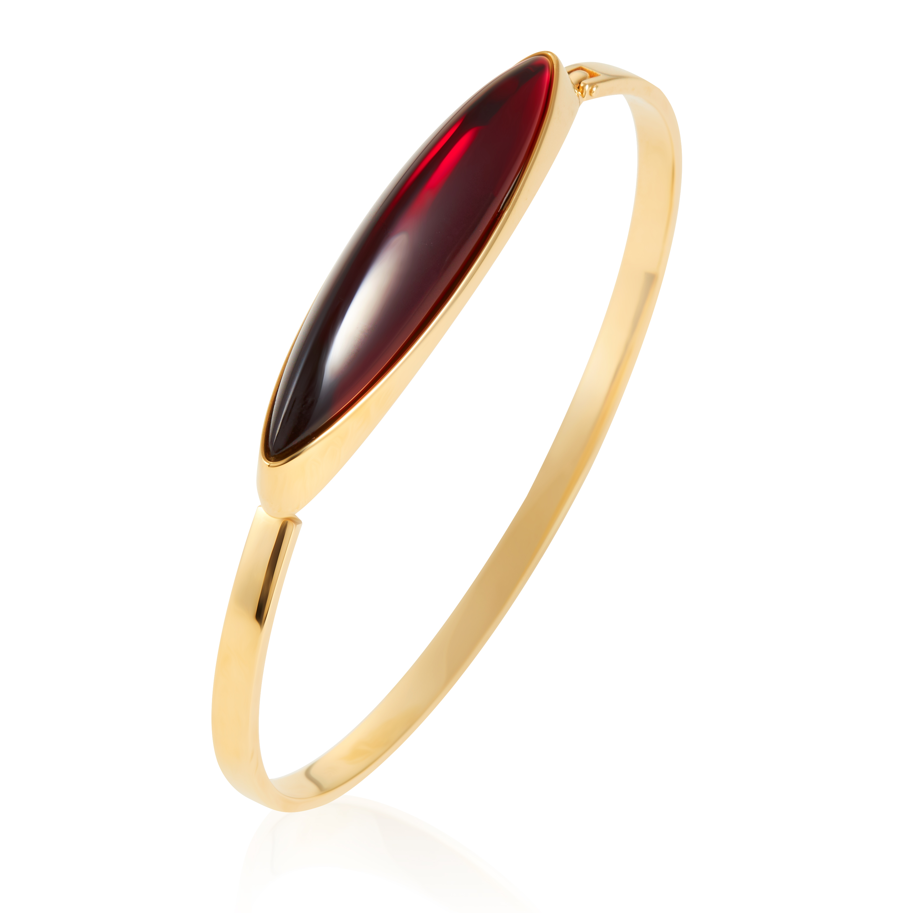 Los 334 - A RED CRYSTAL BANGLE, LALIQUE in yellow gold, jewelled with a large cabochon red crystal, signed