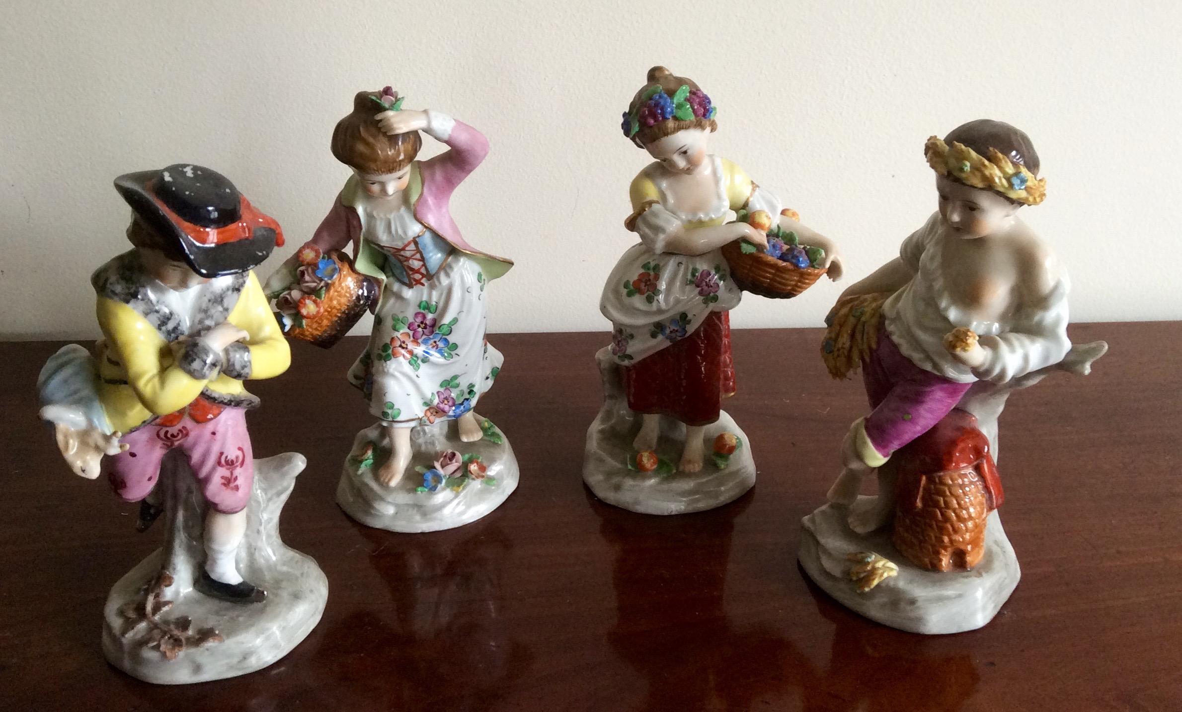 Lot 37 - Four Capodimonte figures crown N mark