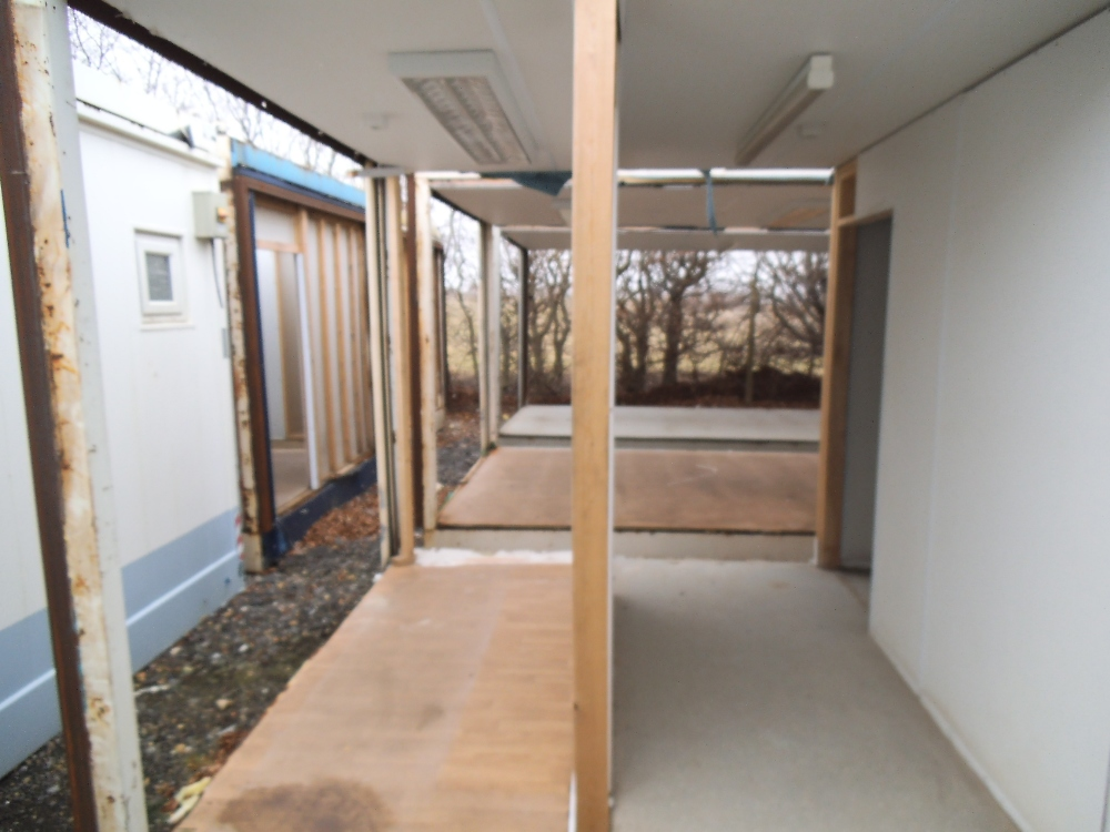 Single mcavoy intermediate 32ft x 10ft unit 1 gable end for 10ft by 10ft room