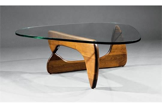 Merveilleux Isamu Noguchi Coffee Table, C. 1969, Herman Miller, Walnut And Glass, H. 15  1/2 In., W. 50 In., D