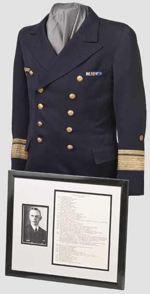 Lot 7703 - Konteradmiral (Ing.) Max Schenitzki - blaues Sommerjackett Maßanfertigung aus leichtem, marineblauen