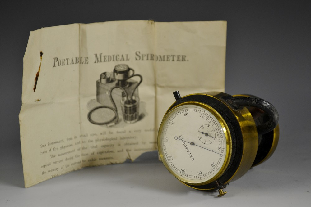 Lot 3352 - A 19th century lacquered brass portable medical Spirometer, 5.
