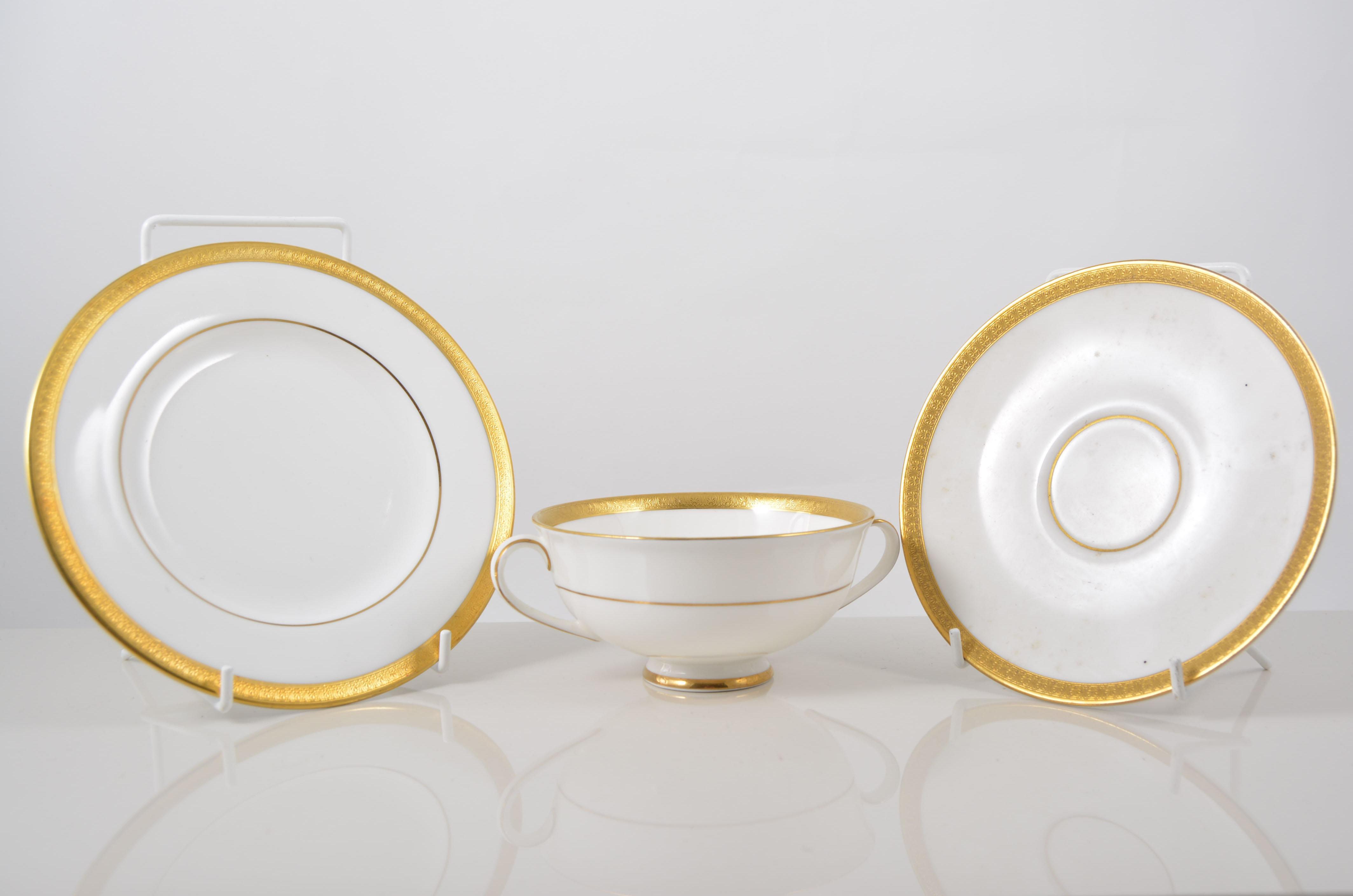 Lot 26 - Royal Doulton \ Royal Gold\  H4980 dinner service and Royal Worcester & Royal Doulton \