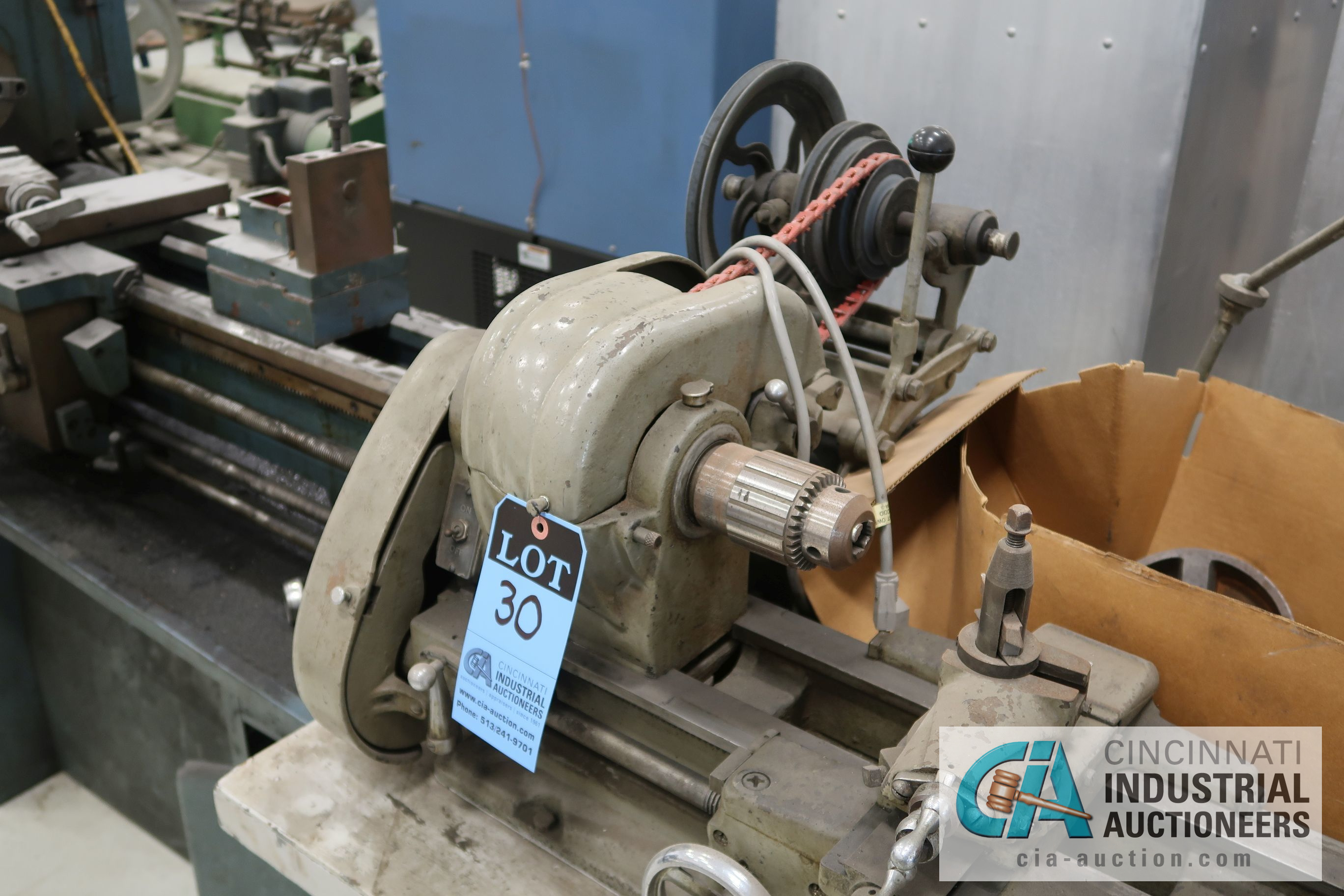 ATLAS MODEL TH48 BENCH TOP LATHE; S/N 058298, WITH WORK BENCH AND MACHINE ACCESSORIES, 110 VOLT - Image 2 of 8