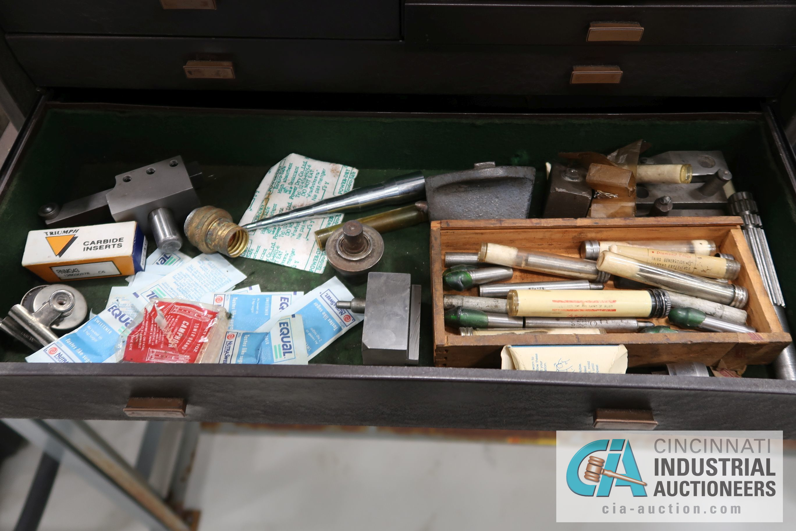 KENNEDY MACHINIST TOOL CHESTS WITH MISCELLANEOUS - Image 6 of 7