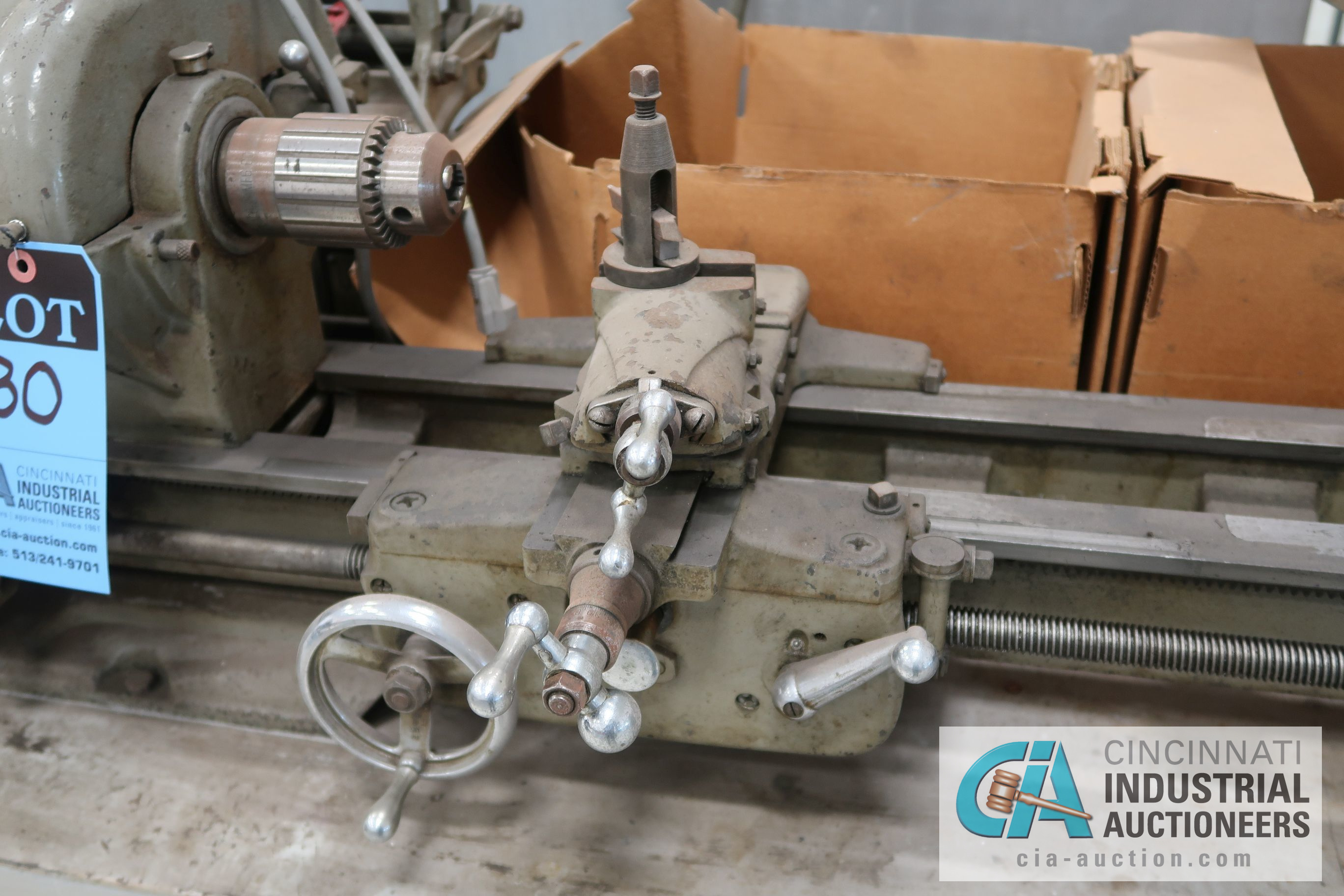 ATLAS MODEL TH48 BENCH TOP LATHE; S/N 058298, WITH WORK BENCH AND MACHINE ACCESSORIES, 110 VOLT - Image 3 of 8