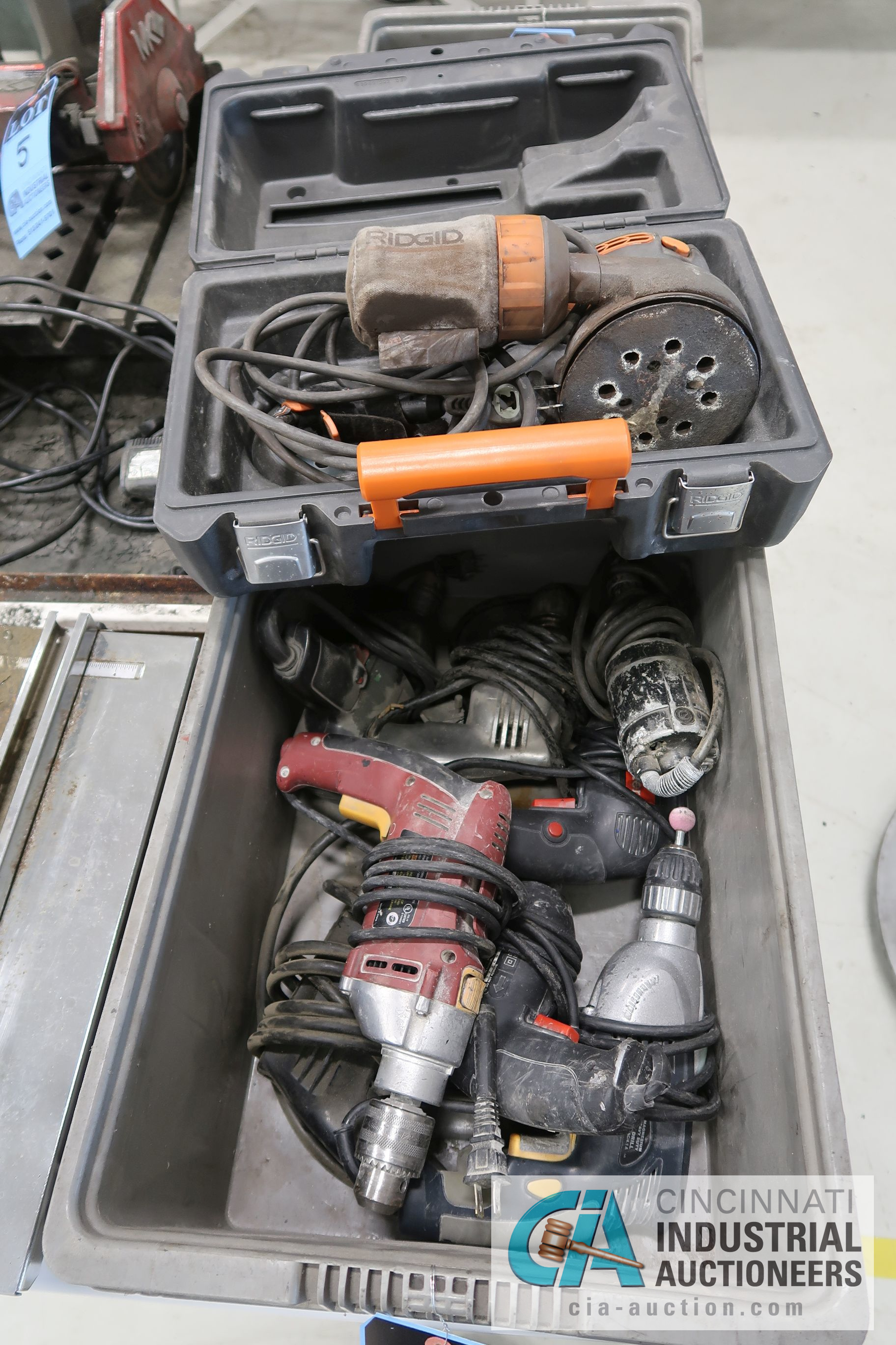 (LOT) MISCELLANEOUS ELECTRIC HAND TOOLS