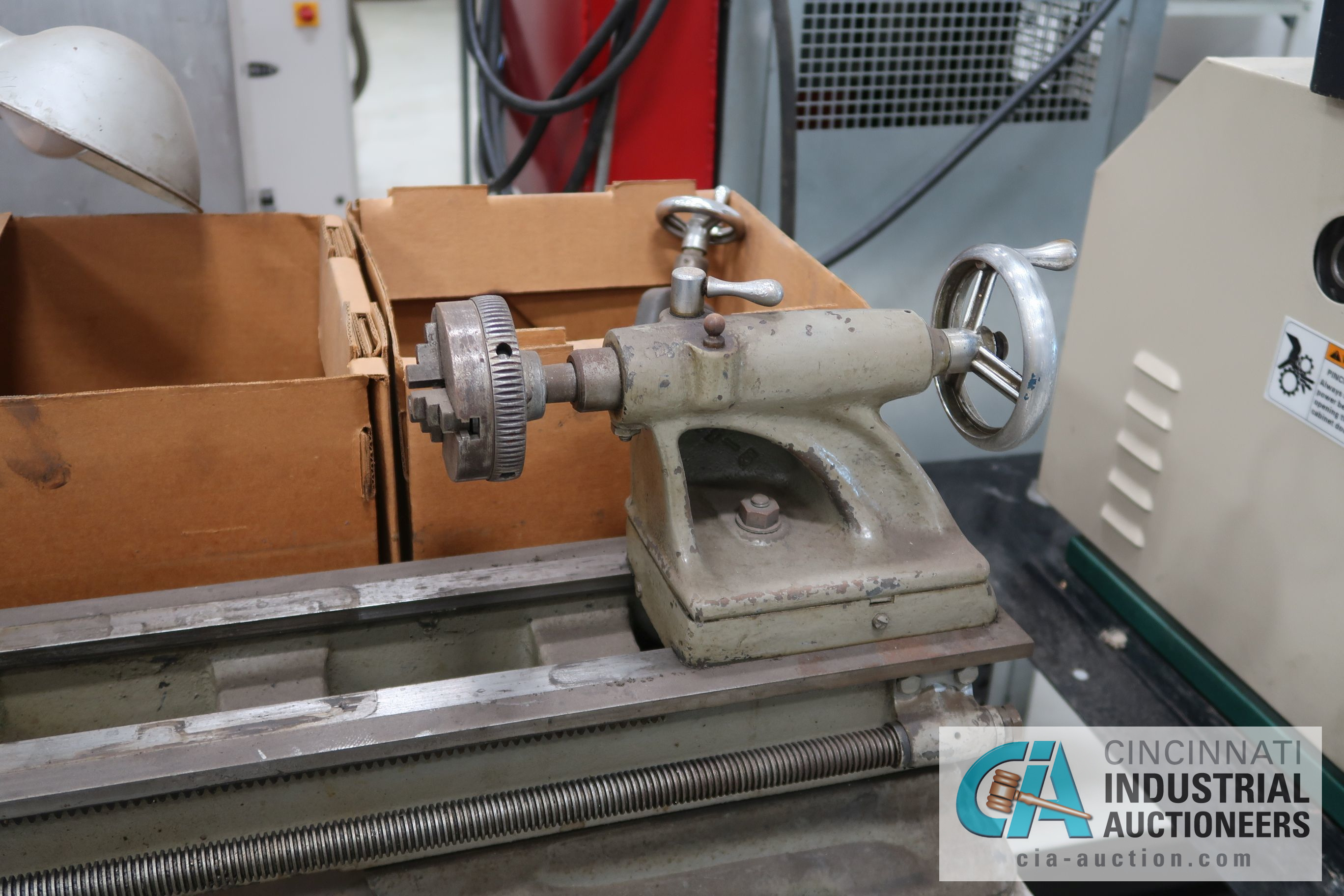 ATLAS MODEL TH48 BENCH TOP LATHE; S/N 058298, WITH WORK BENCH AND MACHINE ACCESSORIES, 110 VOLT - Image 4 of 8