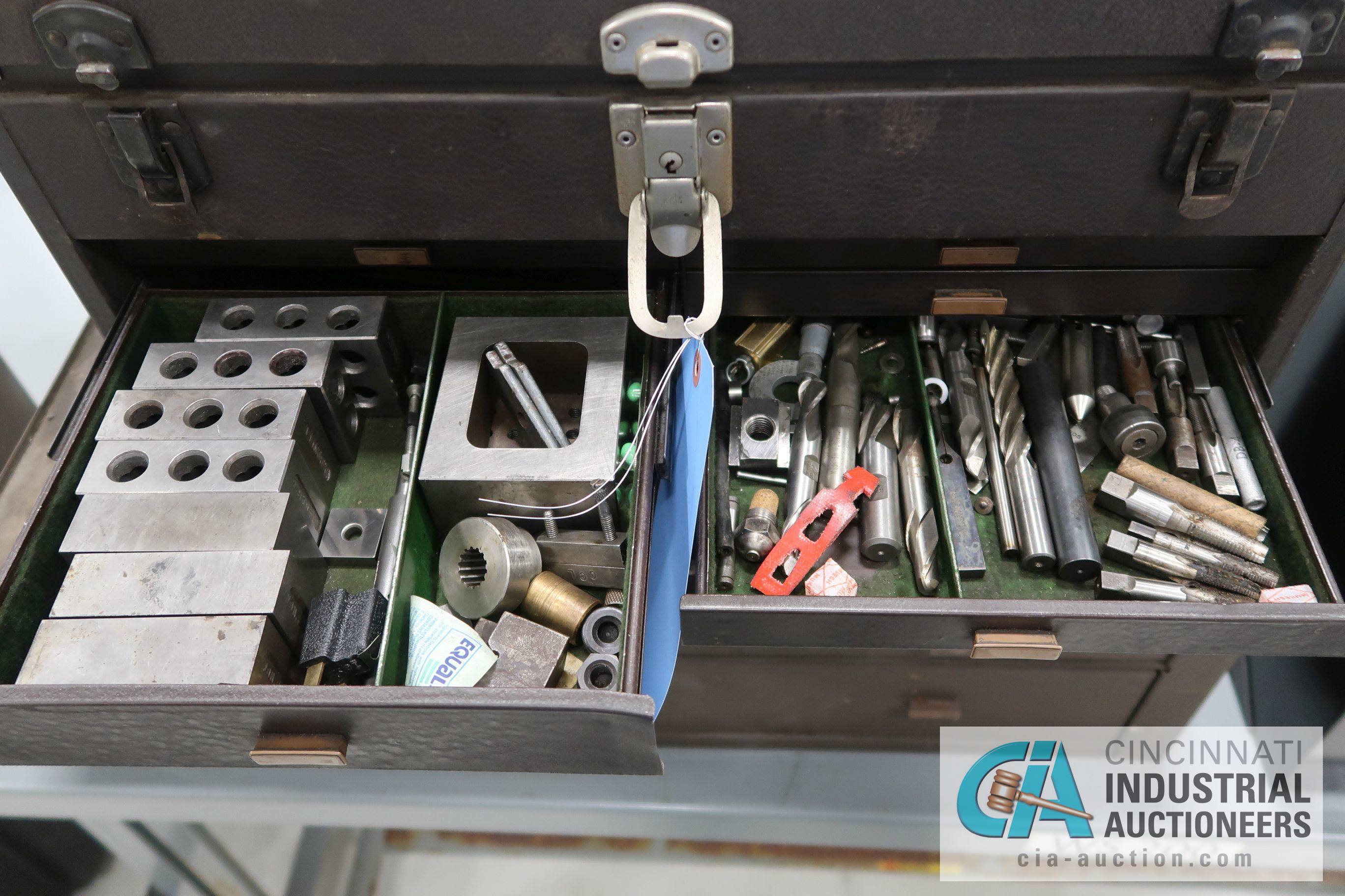 KENNEDY MACHINIST TOOL CHESTS WITH MISCELLANEOUS - Image 4 of 7