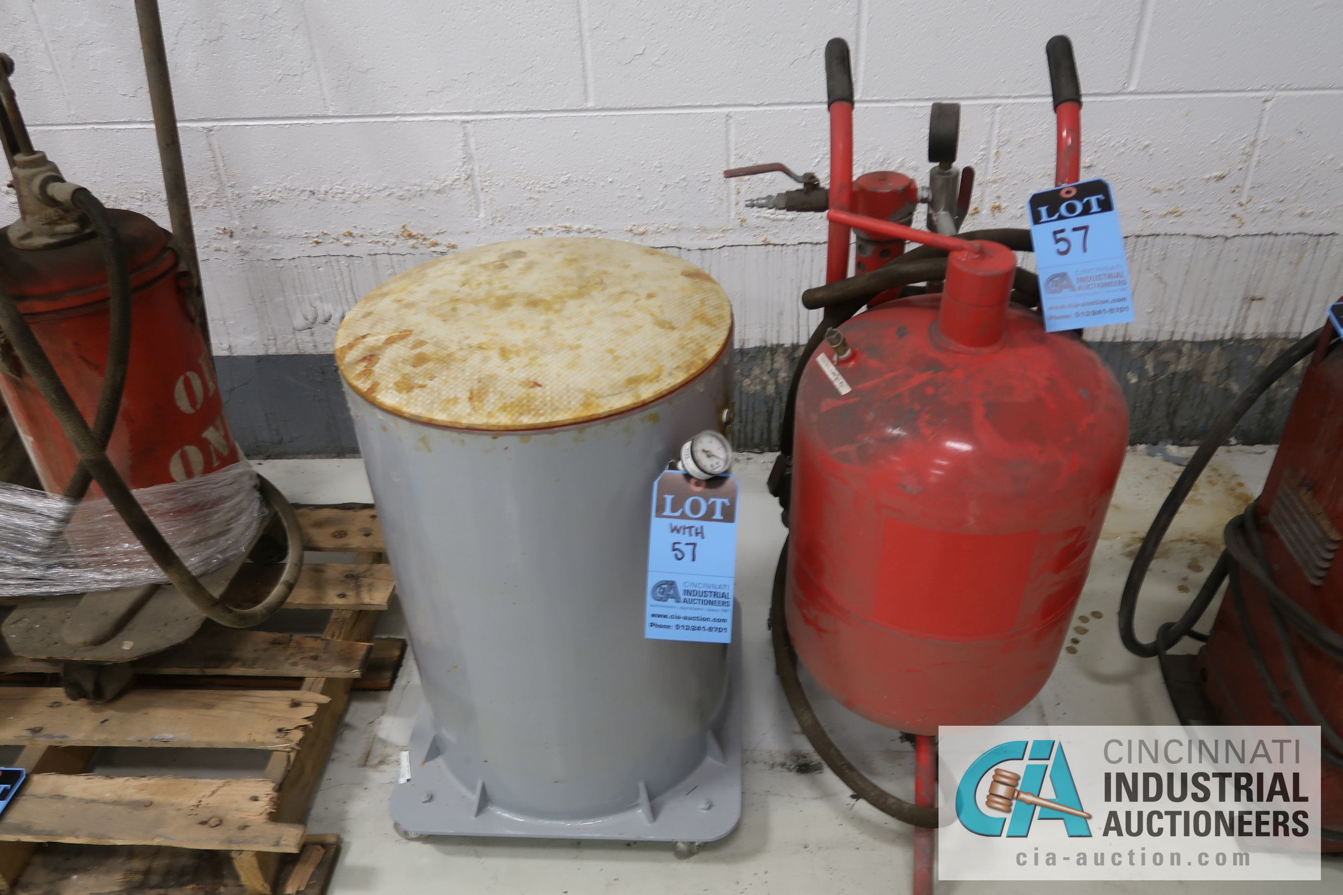 (LOT) MISCELLANEOUS - SAND BLAST POT, KETTLE, HYDRAULIC OIL PUMPS, JUSTRITE OILY WASTE CAN, - Image 2 of 4