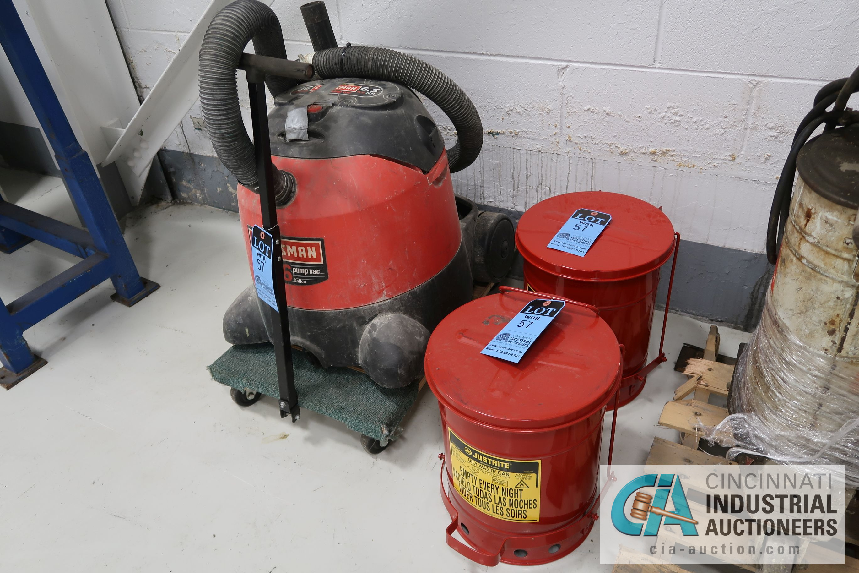 (LOT) MISCELLANEOUS - SAND BLAST POT, KETTLE, HYDRAULIC OIL PUMPS, JUSTRITE OILY WASTE CAN, - Image 4 of 4