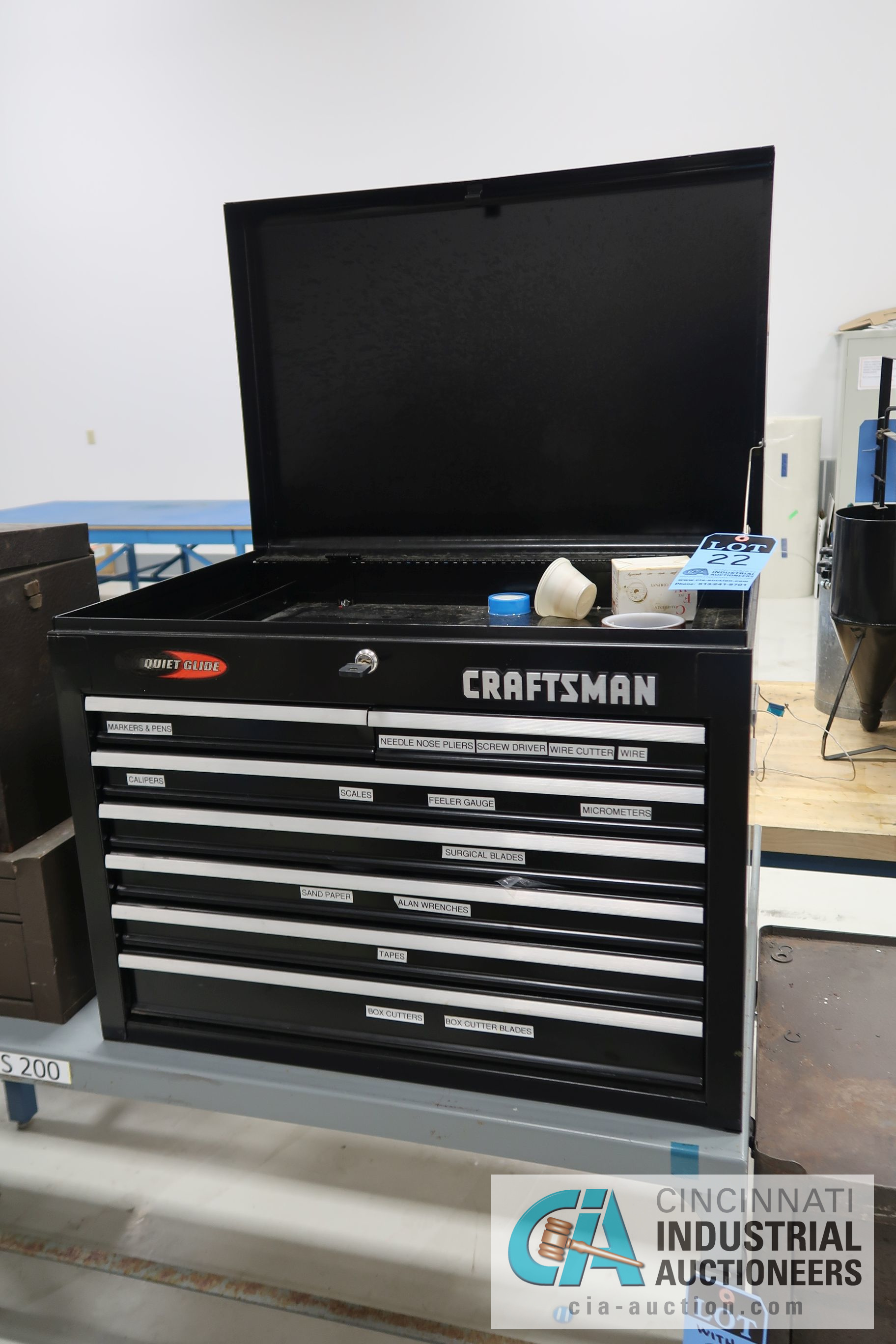 7-DRAWER CRAFTSMAN QUIET GLIDE TOOL CHEST WITH MISCELLANEOUS