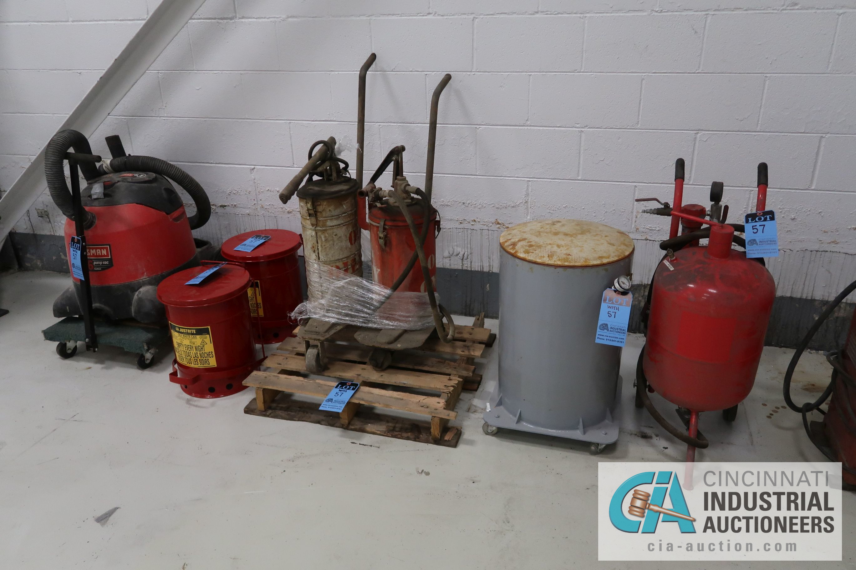(LOT) MISCELLANEOUS - SAND BLAST POT, KETTLE, HYDRAULIC OIL PUMPS, JUSTRITE OILY WASTE CAN,