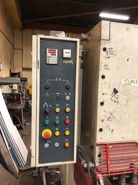 Lot 3 - MORGAN RUSHWORTH Model BHG3100X13, 3100mm x 13mm hydraulic guillotine s/no: B17496 (2011). Note: