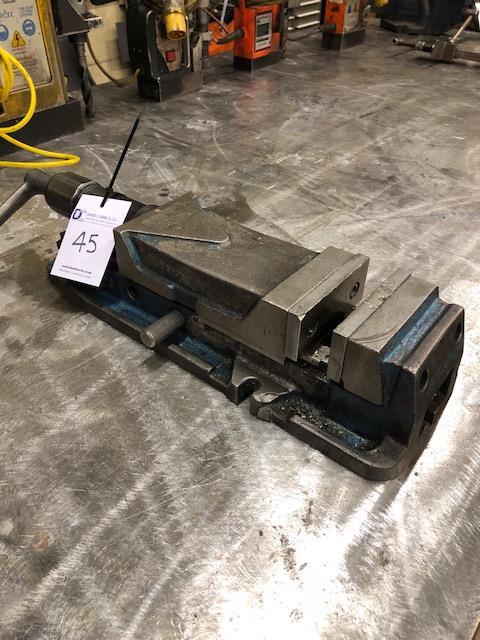 """Lot 45 - ERON 5"""" machine vice"""