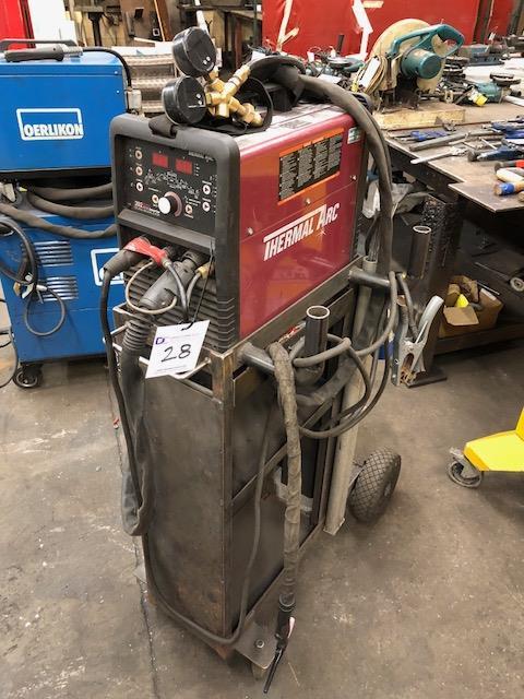 Lot 28 - THERMAL ARC 202 AC/DC TIG weld inverter